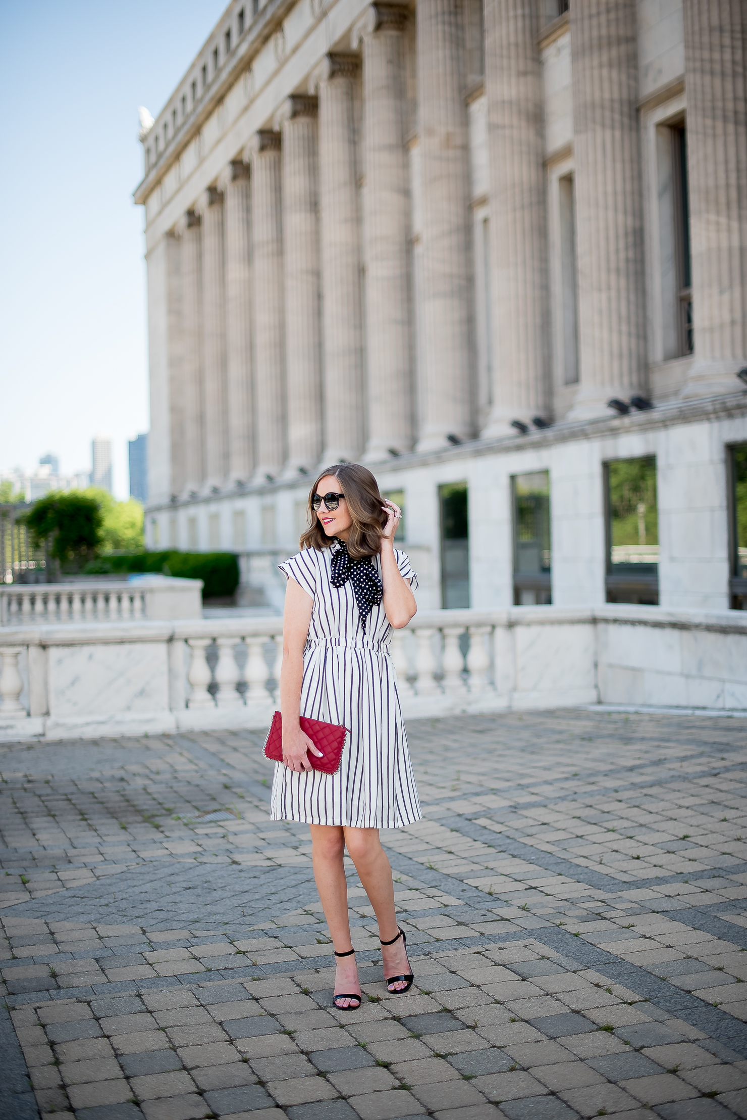 choies-white-and-black-striped-dress-forever-21-red-quilted-chain-clutch-black-strappy-heels-chicago-field-museum-print-mixing