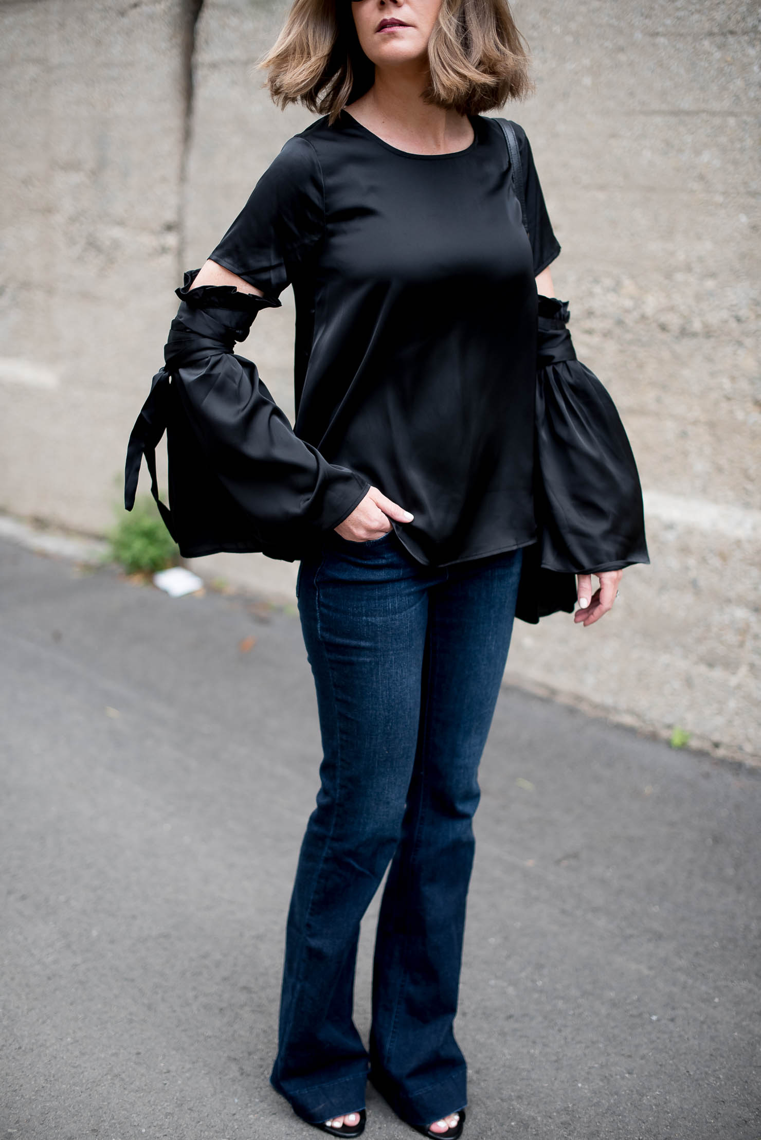 b4398f72fcc1e shein-blck-satin-bell-sleeve-blouse-with-ribbobs-dark-wash-flared-jeans-fall -trends-2016-monochromatic-fashion-look-for-less