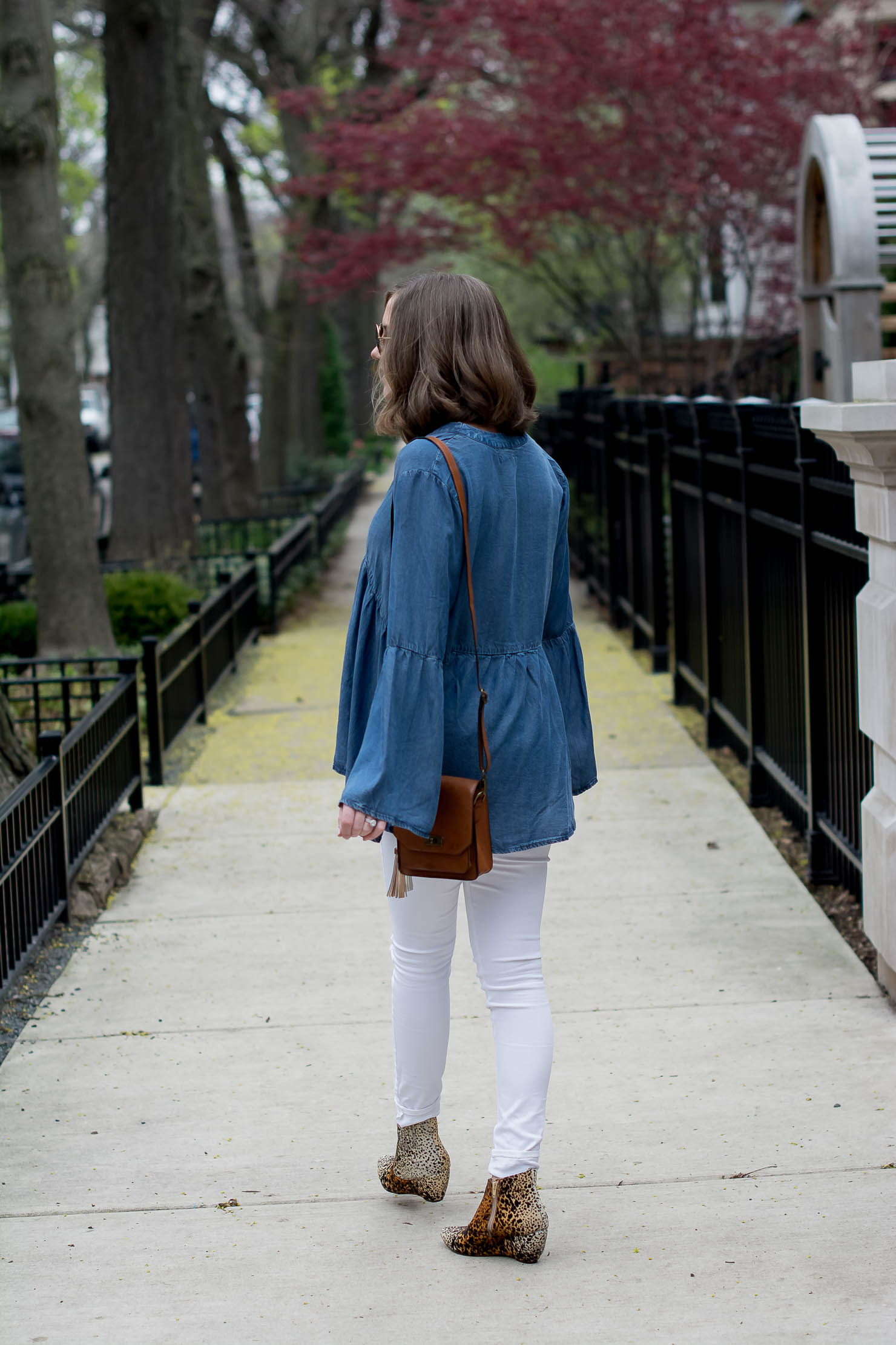 transitioning-white-jeans-for-fall-hm-denim-bell-sleeve-top-matisse-leopard-booties-metallic-bag-tassel-charms-10