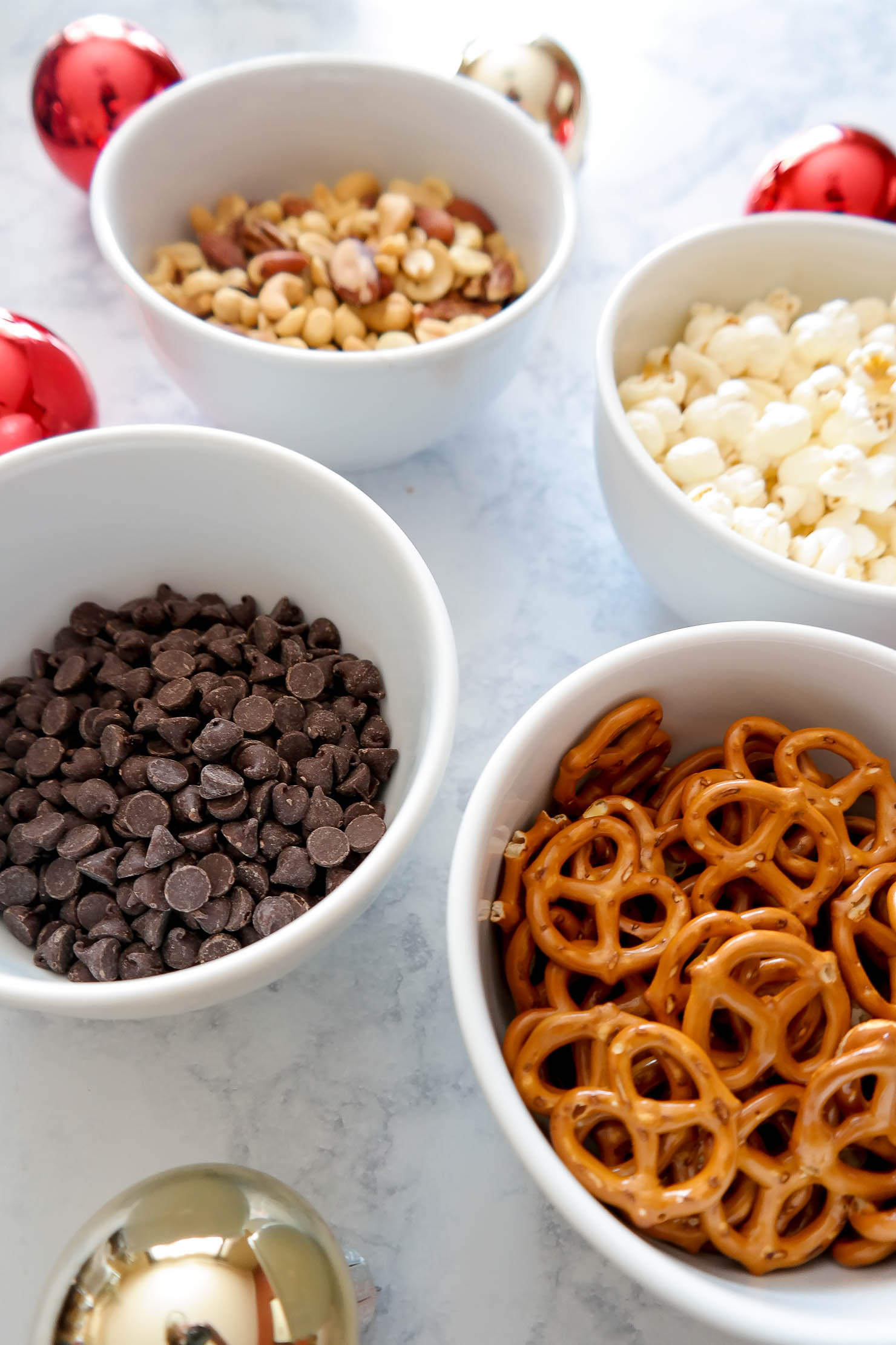 frito-lay-white-elephant-gift-ideas-reindeer-crunch-recipe