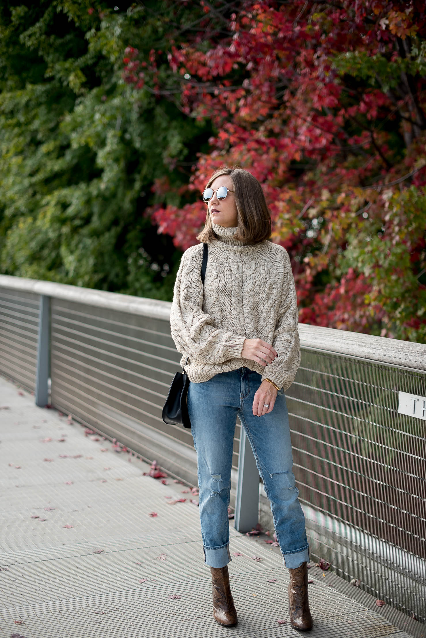 fall-in-chicago-hm-cable-oversized-turtleneck-sweater-girlfriend-jeans-snakeskin-boots-how-to-wear-over-the-ankle-boots-cozy-fall-style