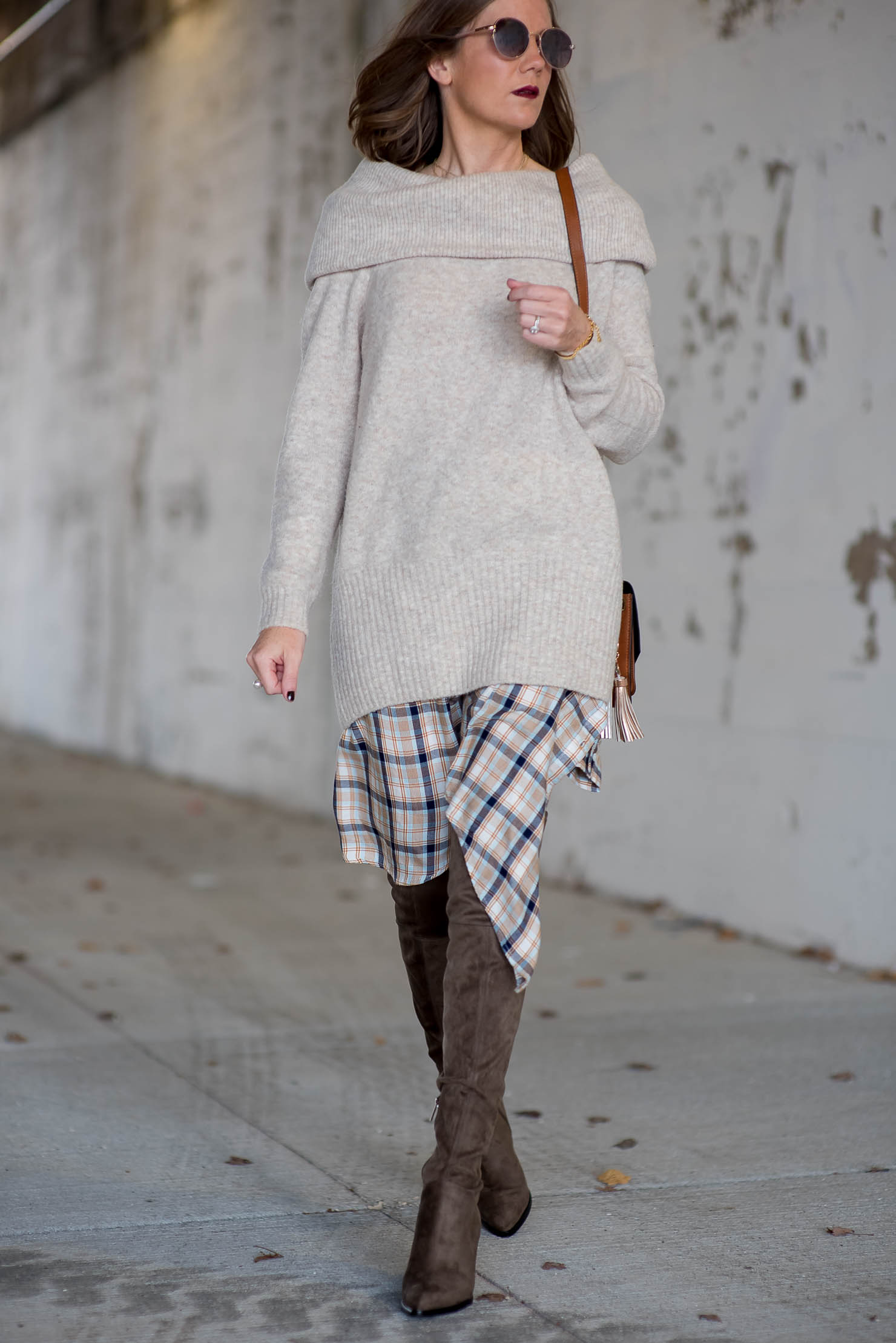 thanksgiving-outfit-idea-oversized-off-the-shoulder-sweater-over ...