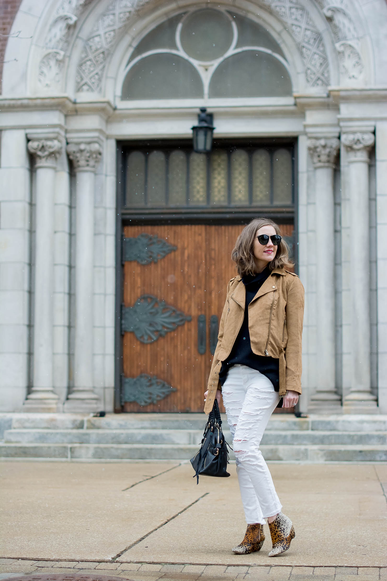 how-to-wear-white-denim-in-the-winter-matisse-nugent-leopard-booties-all-neutral-outfit