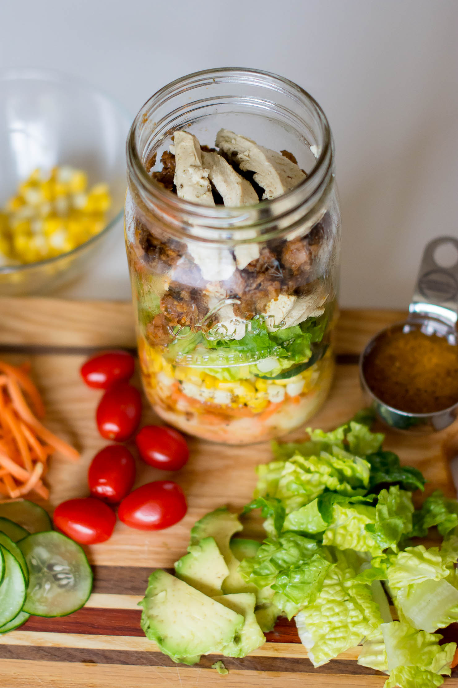 morning-star-chikn-strps-and-black-bean-crumbles-diy-mason-jar-salad-meatless-lunch