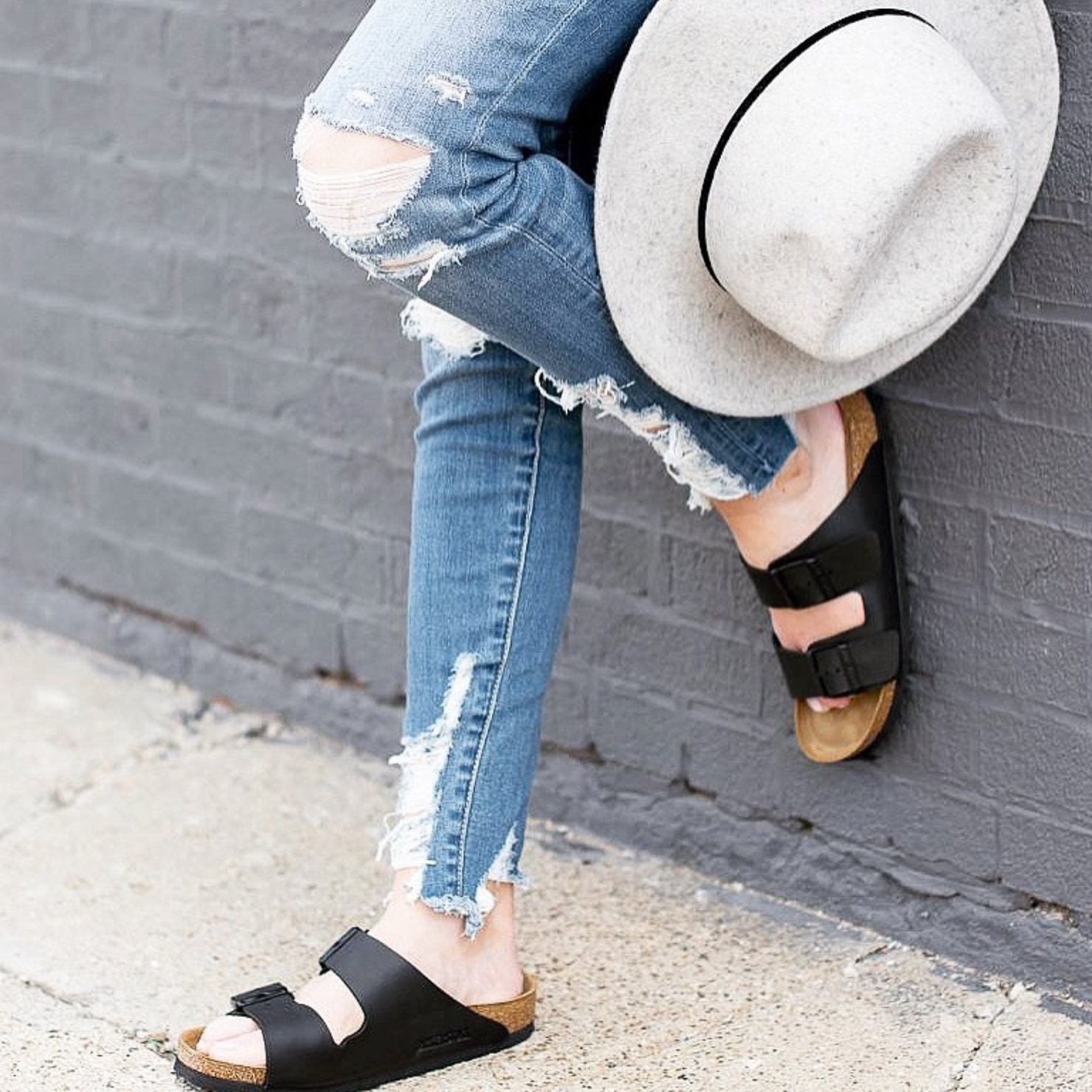 shredded-american-eagle-high-rise-skinny-jeans-birkenstocks-how-to-style-birkenstocks