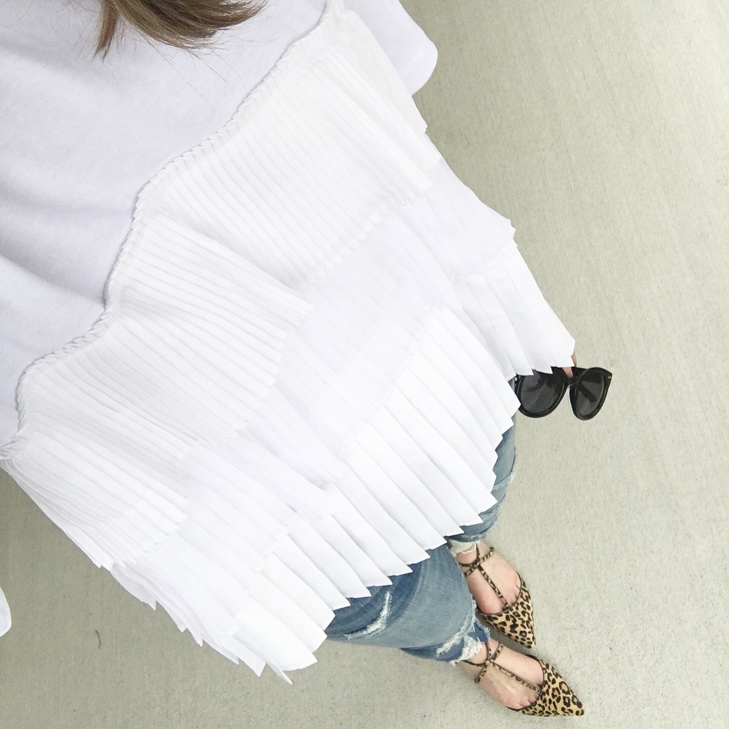 white-satin-and-tulle-pleated-tee-leopard-flats