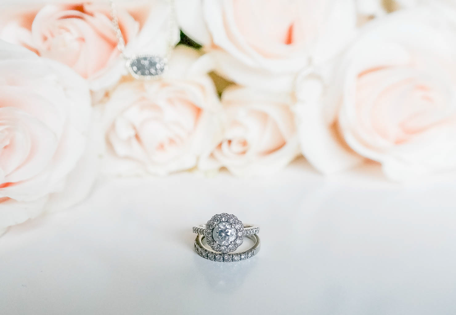 what to look for when selecting a jeweler, michael hill jewelers the perfect engagement ring how to select an engagement ring stone, love affair with my engagement ring