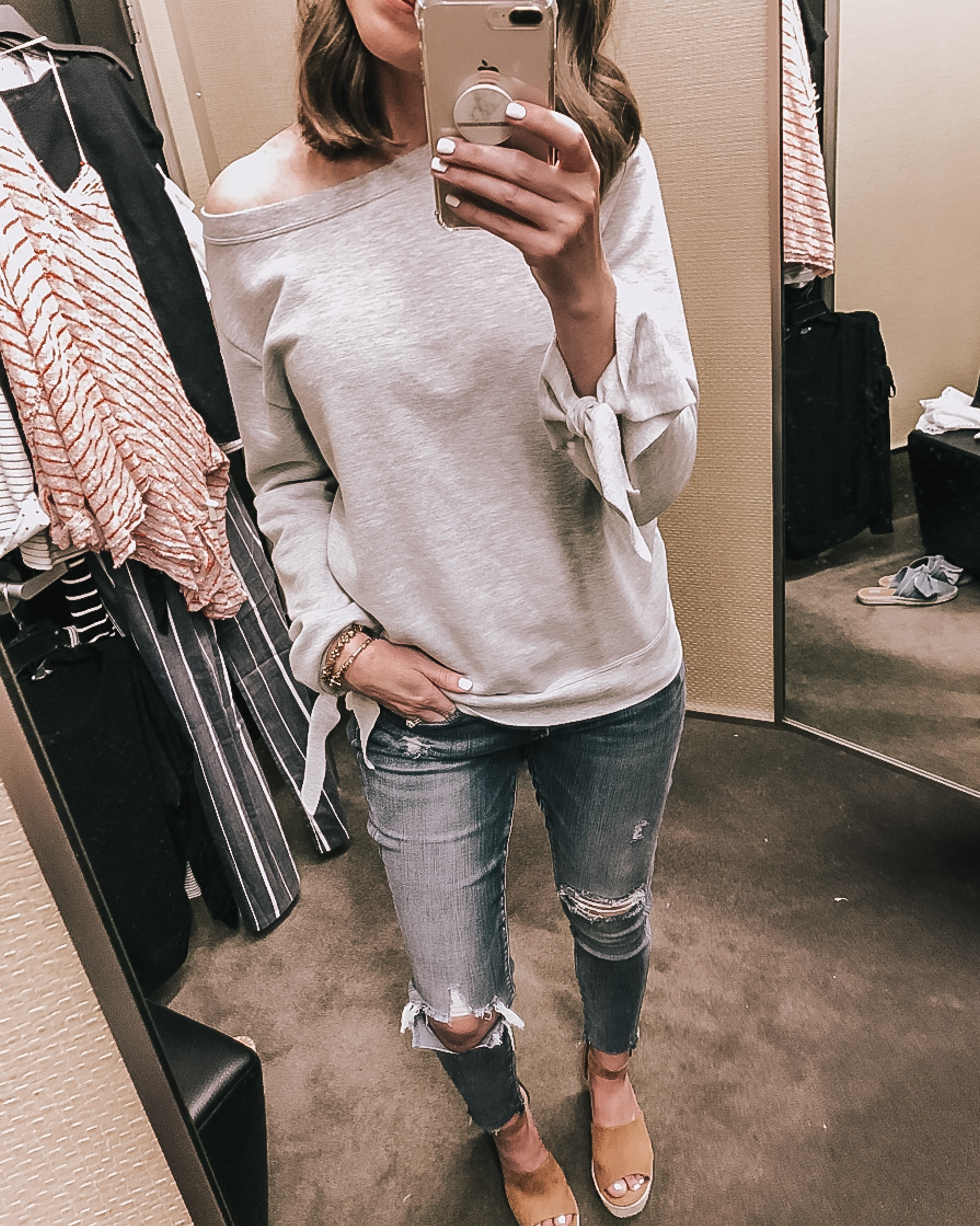 easy everyday outfits, tie sleeve sweatshirt