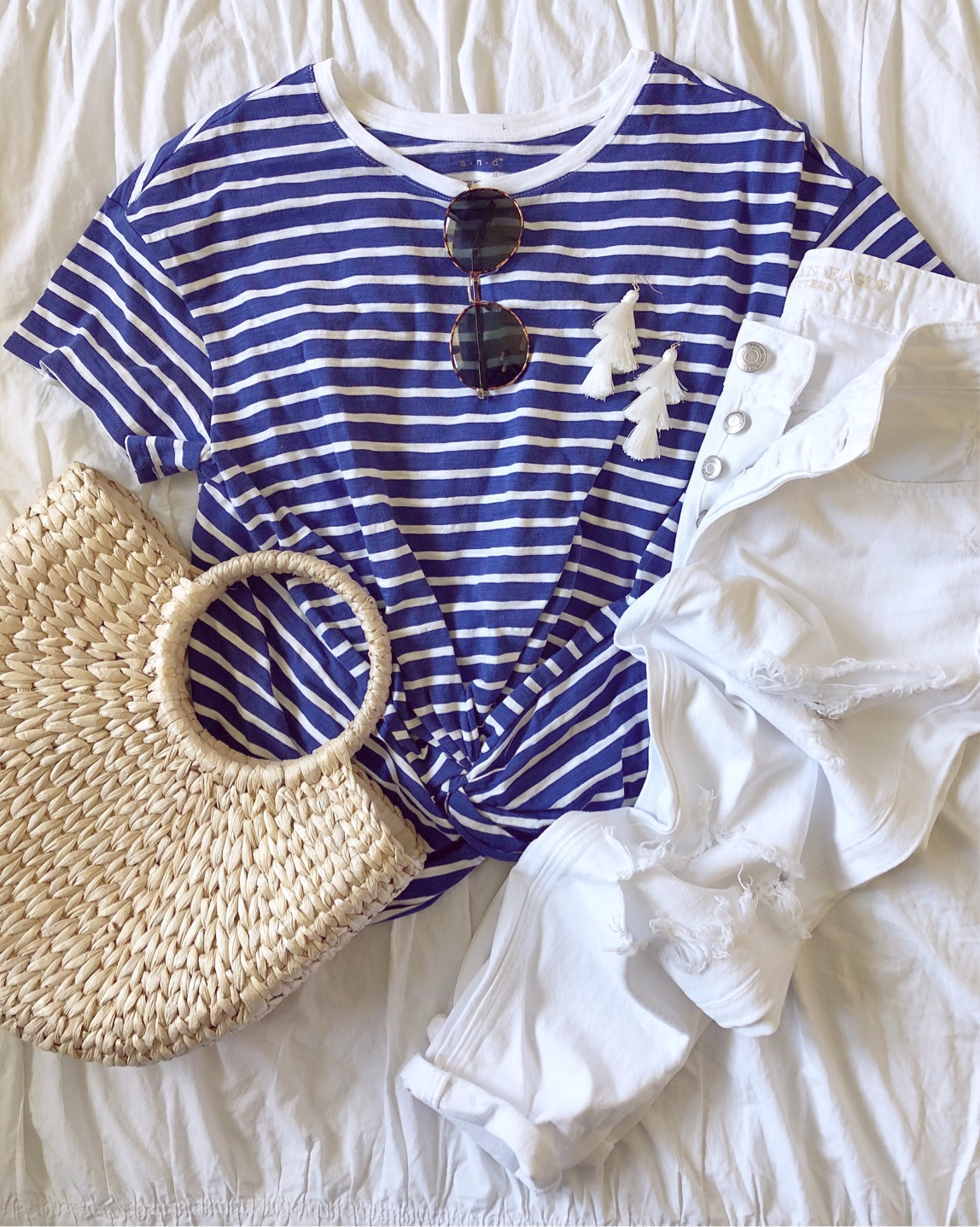 what to wear for the 4th of july, 4th of july outfit inspiration, white jeans and stripes