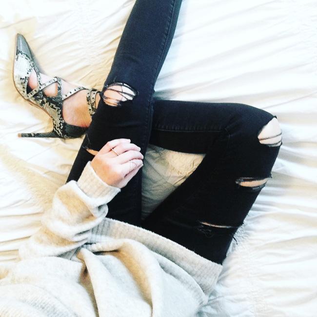 zara snakeskin heels, zara heels, distressed balck jeans