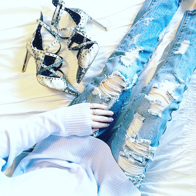 distressed jeans, snakeskin heels, zara snakeskin heels, zara fashion
