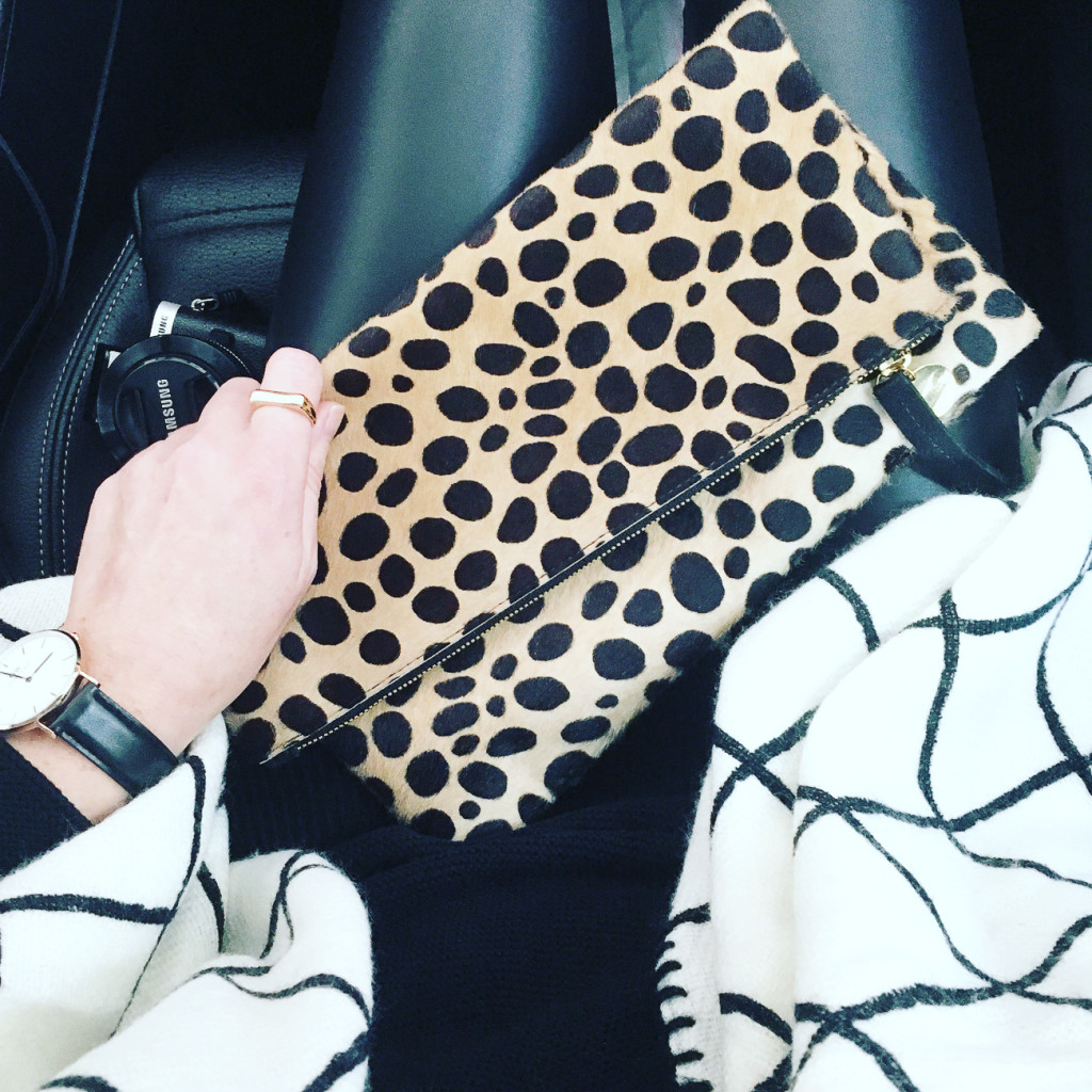 faux leather leggings, black and white grid print scarf, clare v foldover leopard clutch, samsung nx300, street style