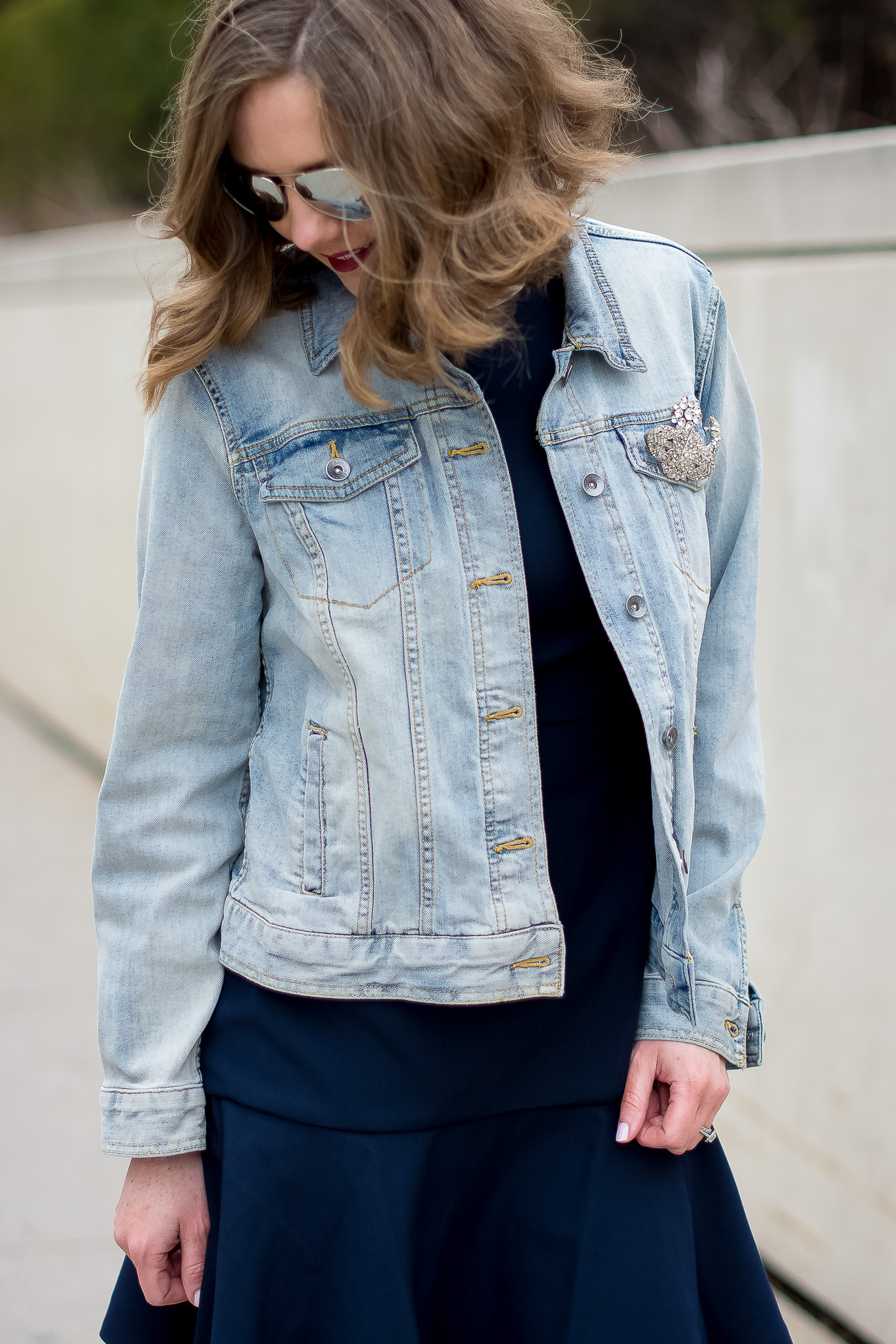 target-light-wash-denim-jacket-banana-republic-fit-and-flare-dress-vintage-rhinestone-brooches-mirrored-aviators-vintage-meets-modern-outfit-6
