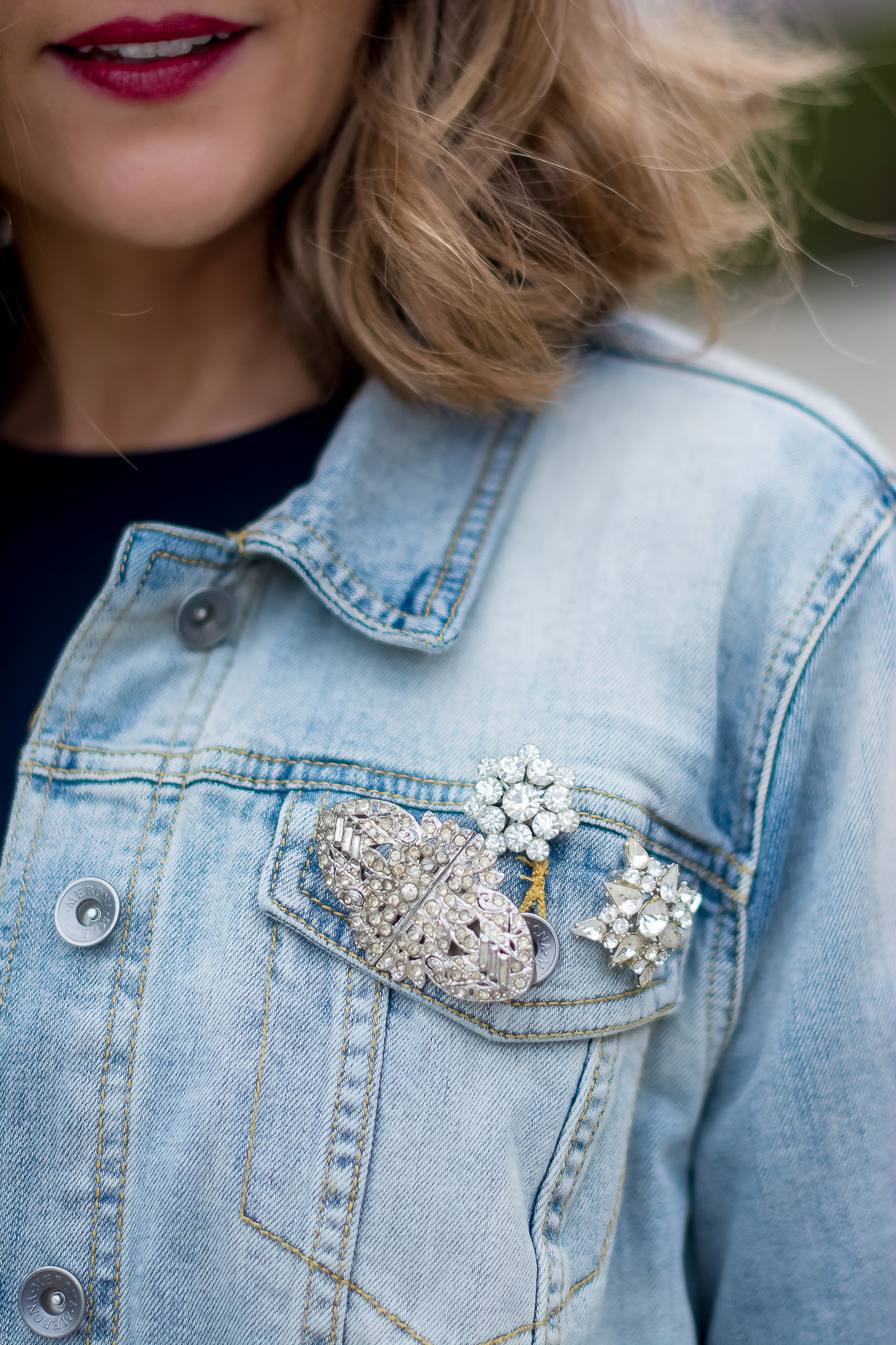 target-light-wash-denim-jacket-vintage-rhinestone-brooches-mirrored-aviators-vintage-meets-modern-outfit