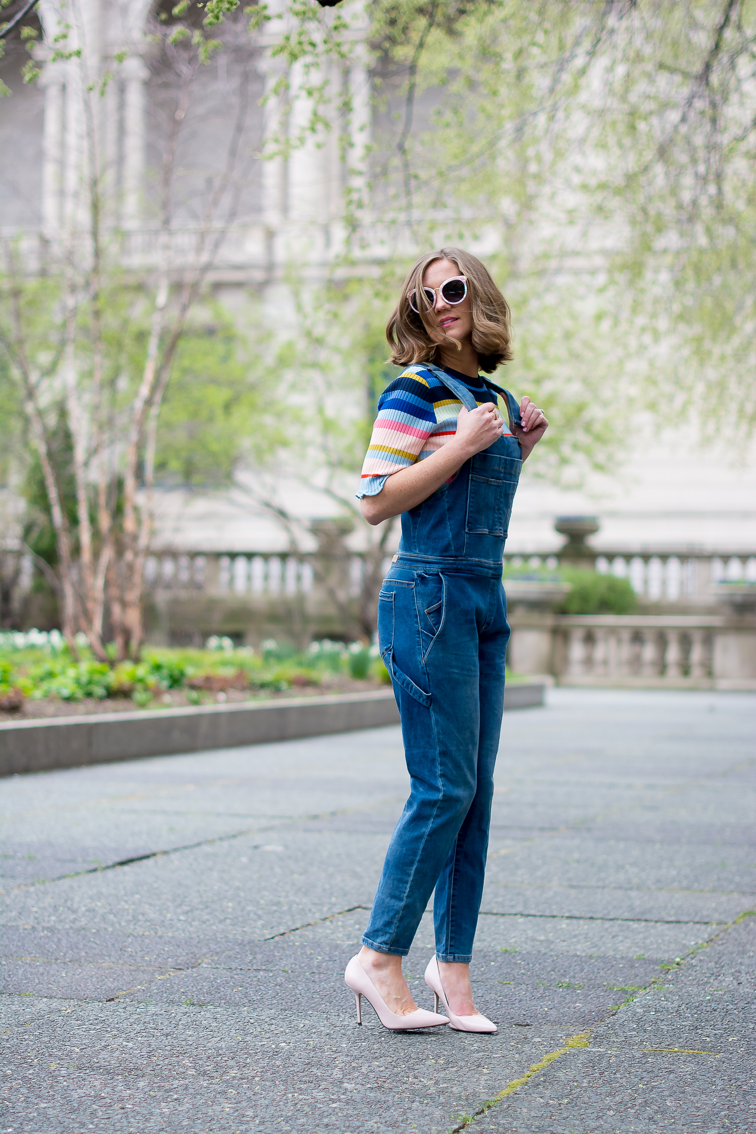 blank-nyc-skinny-overalls-h&m-rib-knit-multicolor-striped-top-zara-blush-court-heels-forever-21-pink-marble-sunglasses-the-art-institute-of-chicago