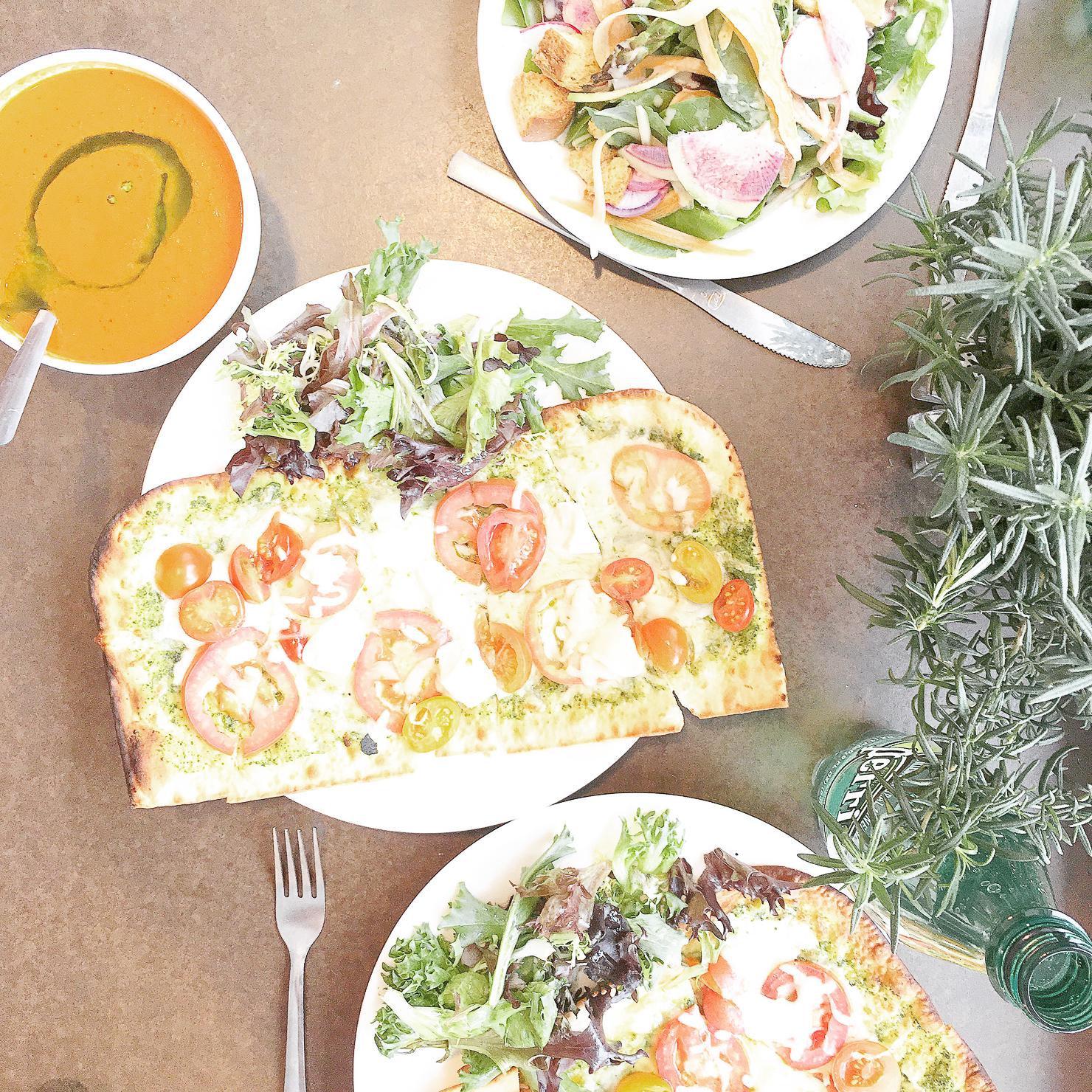 flatbread-margarita-pizza