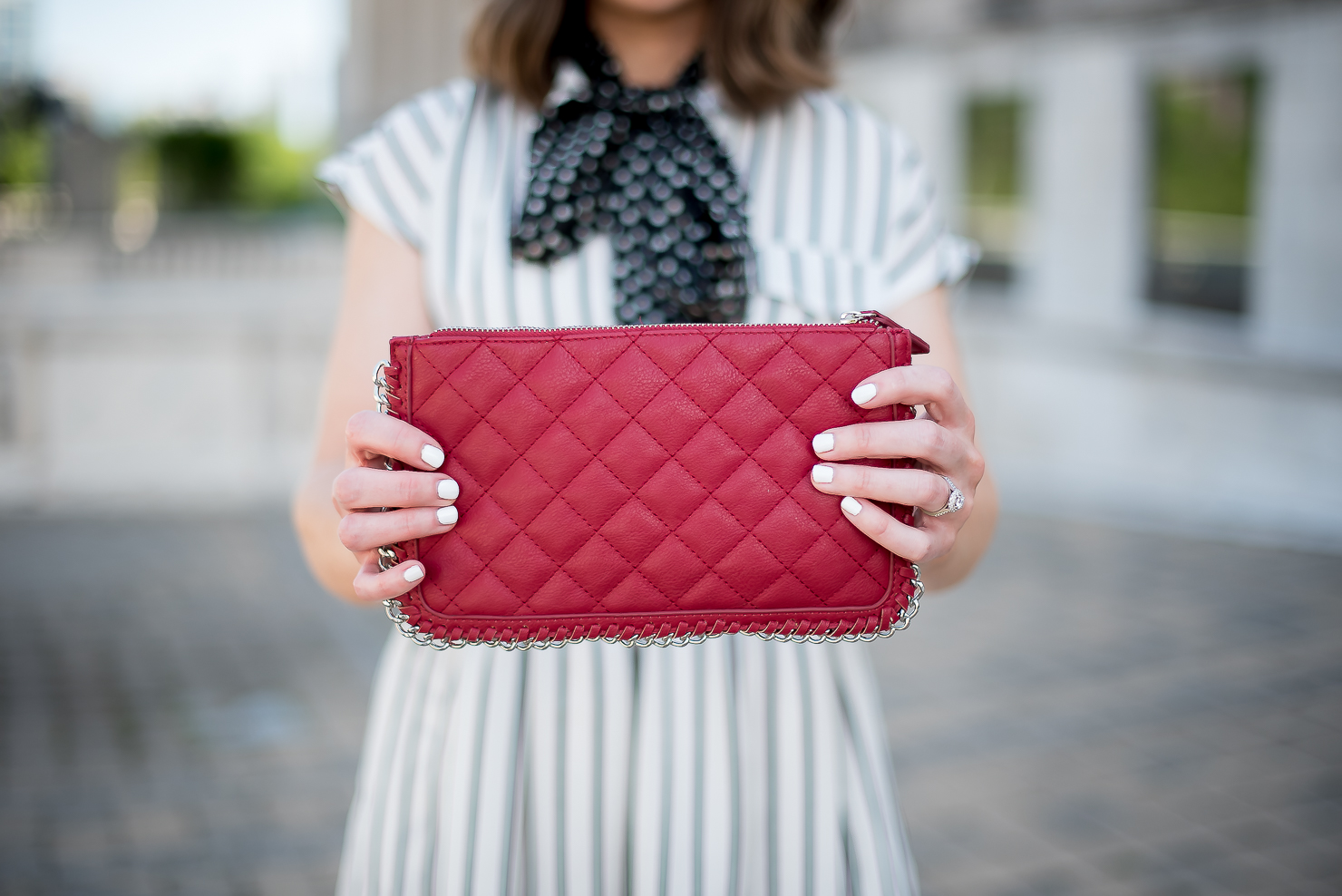 print-mixing-forever 21 red quilted clutch with chain detail