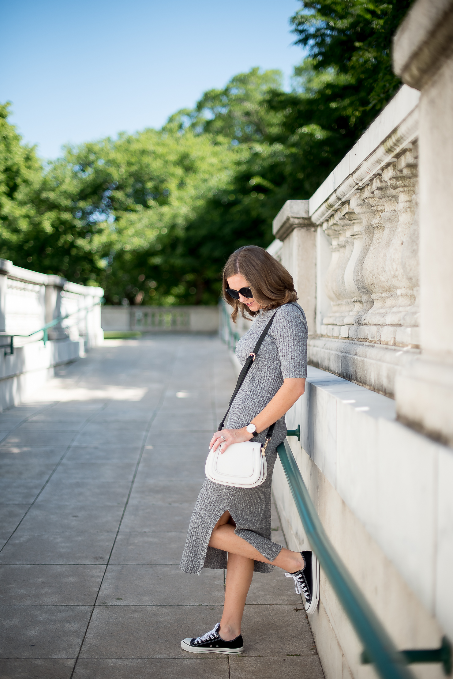 hm-grey-cotton-ribbed-midi-dress-black-converse-white-sole-society-crossbody-chicago-field-museum