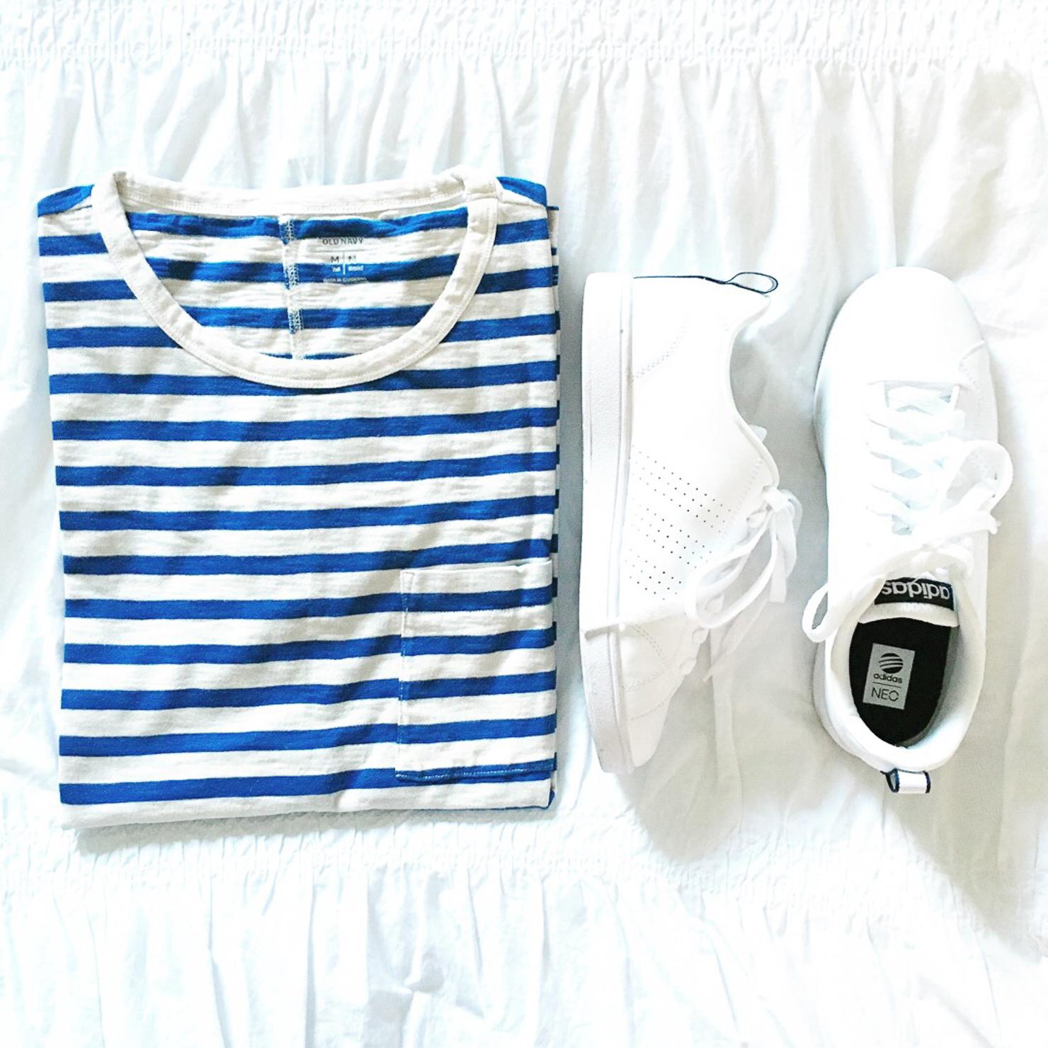 old-navy-boyfriend-pocket-tee-white-adidas-neo-advantage-sneakers