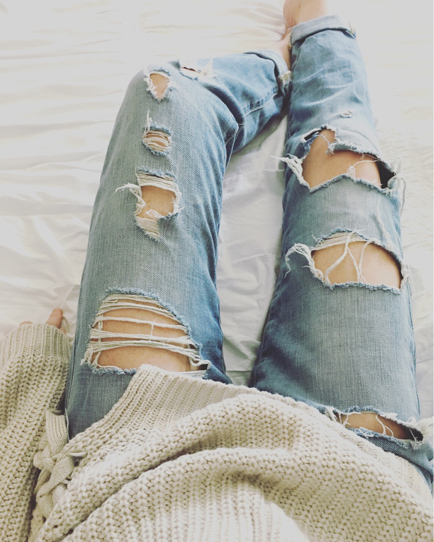 cozy-fall-outfit-lace-up-sweater-distressed-jeans