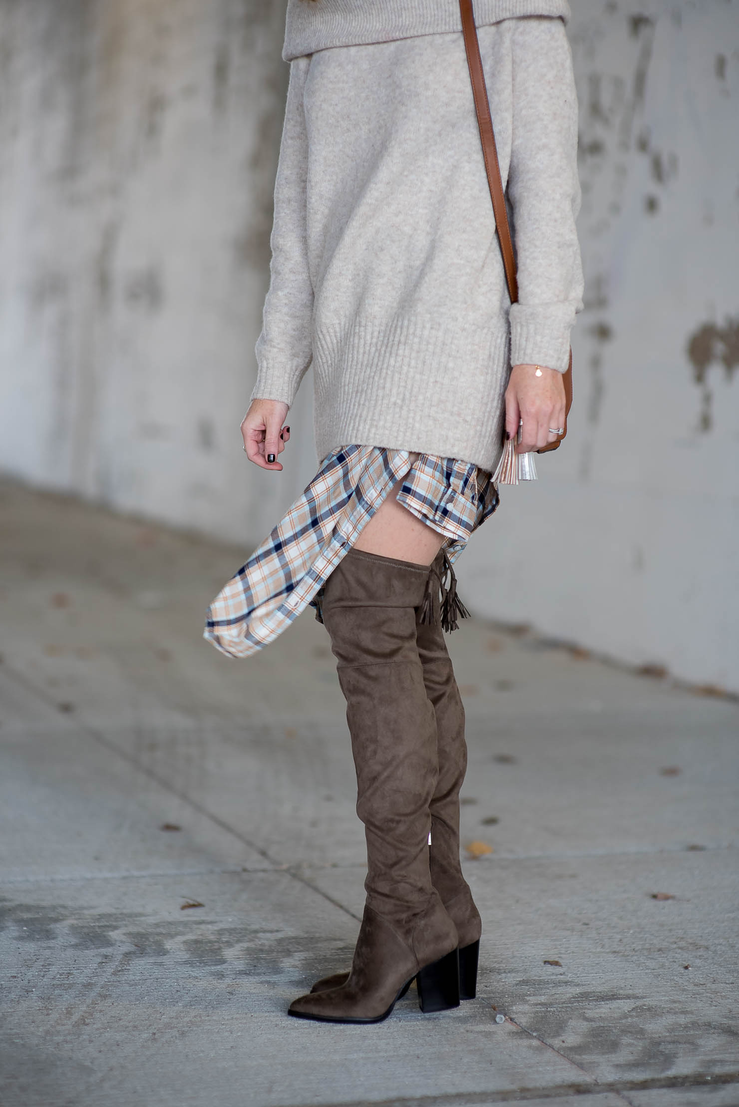 hostess-gift-guide-thanksgiving-outfit-idea-oversized-off-the-shoulder-sweater-over-plaid-shirt-the-best-ever-over-the-knee-boots-marc-fisher-alinda-boots