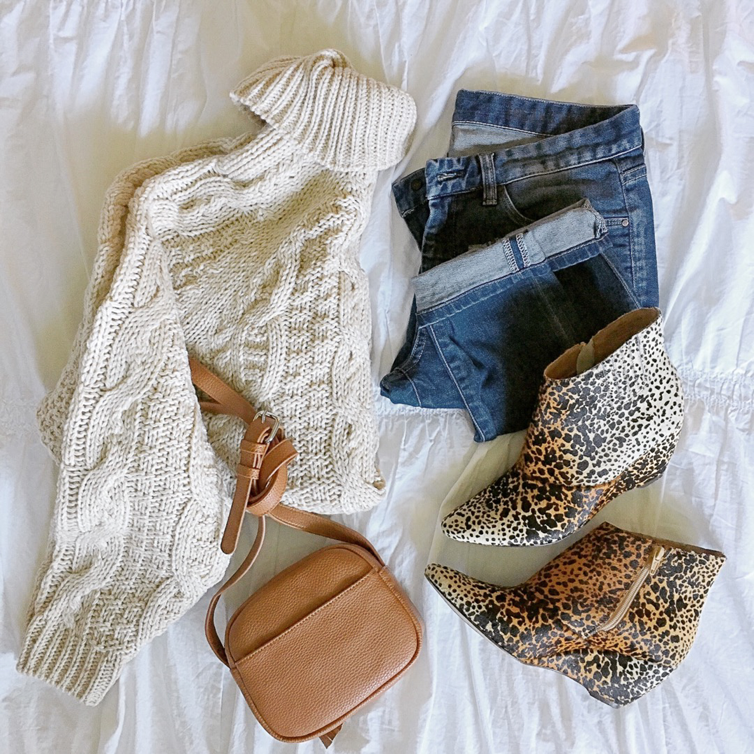 hm-cable-knit-sweater-matisse-nugent-leopard-booties-gucci-dupe-crossbody-cozy-fall-look-instagram