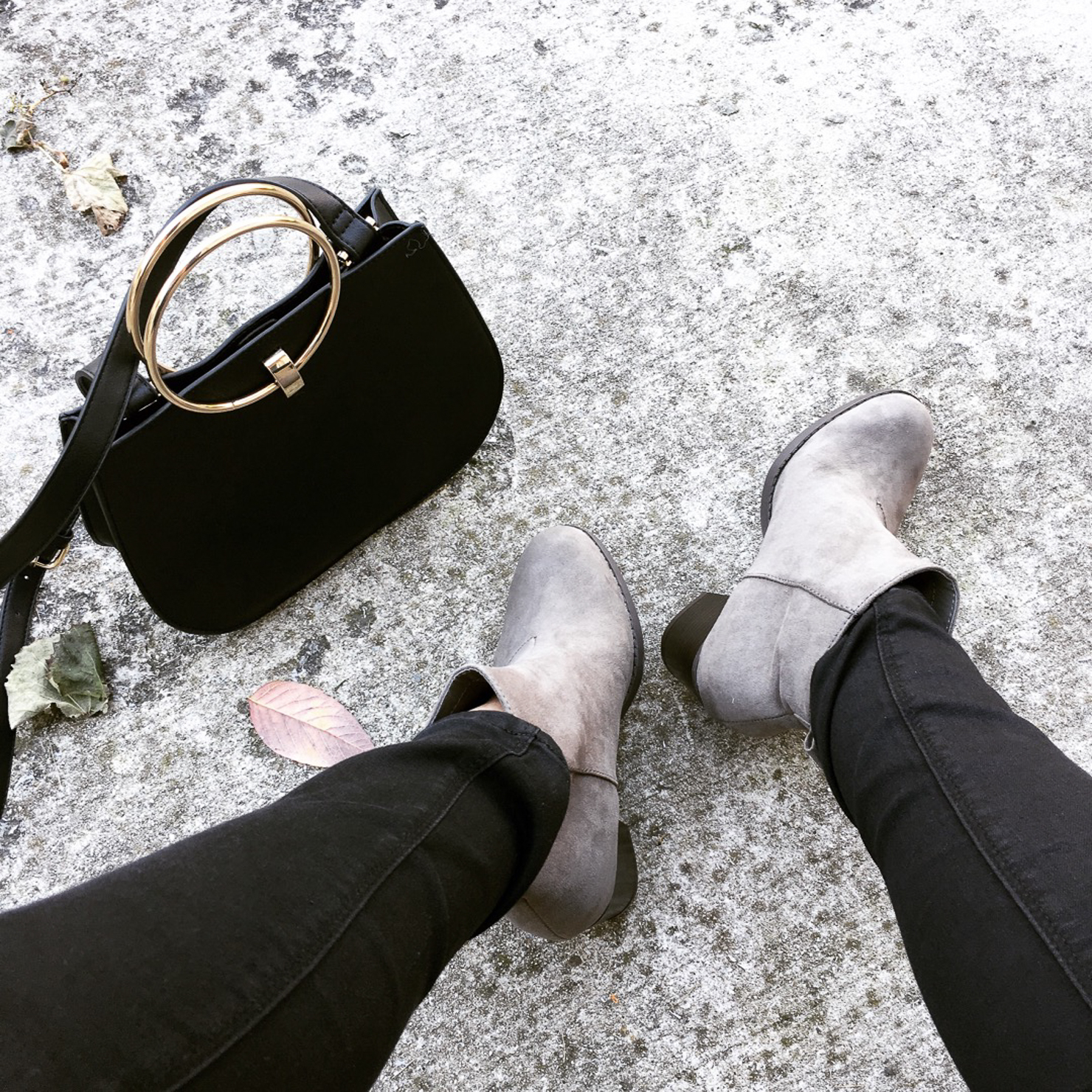 old-navy-taupe-booties-ring-bag-fall-style-fall-fashion-instagram