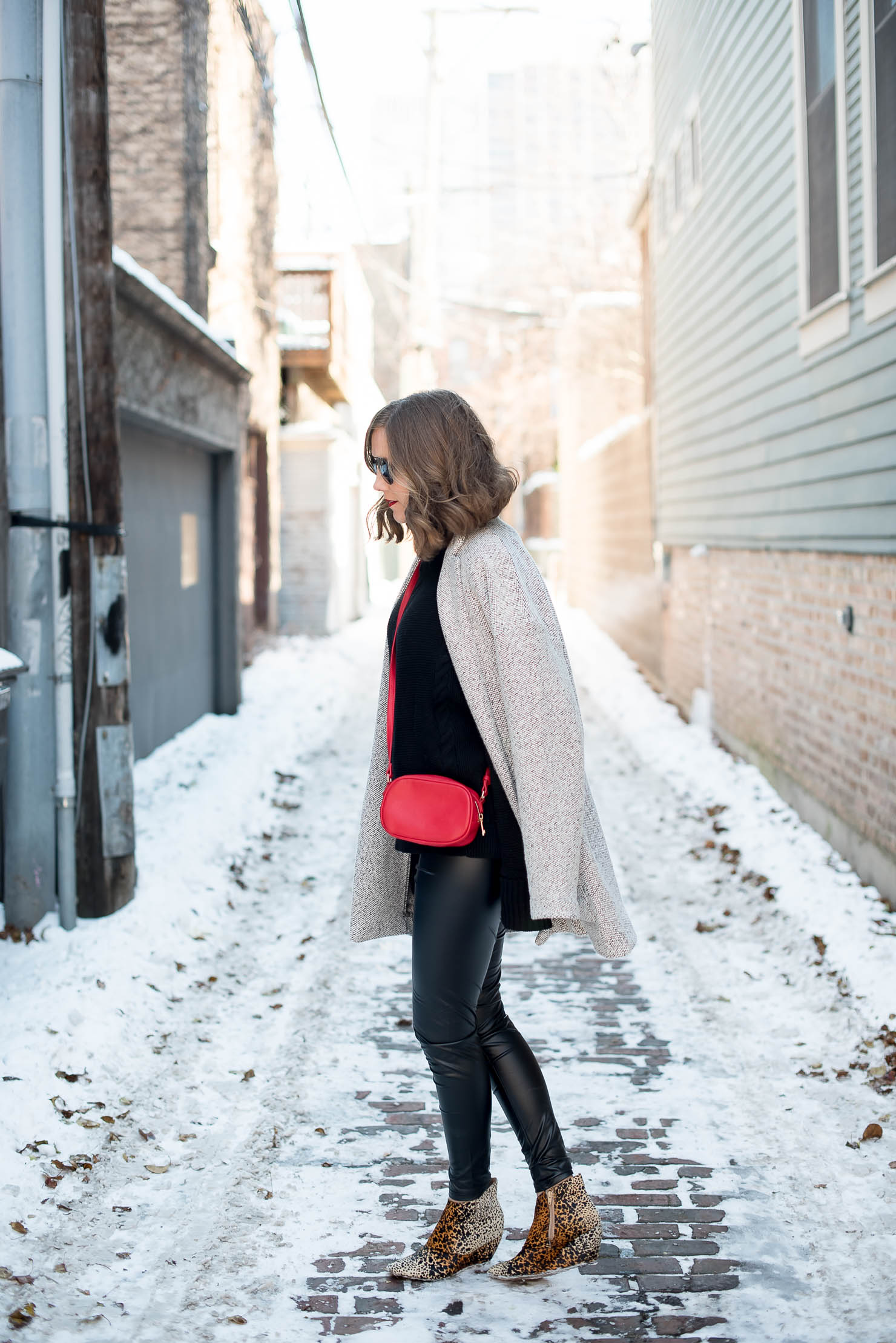 e7826da04a225 How to Wear Leather Leggings in the Winter - Wishes   Reality
