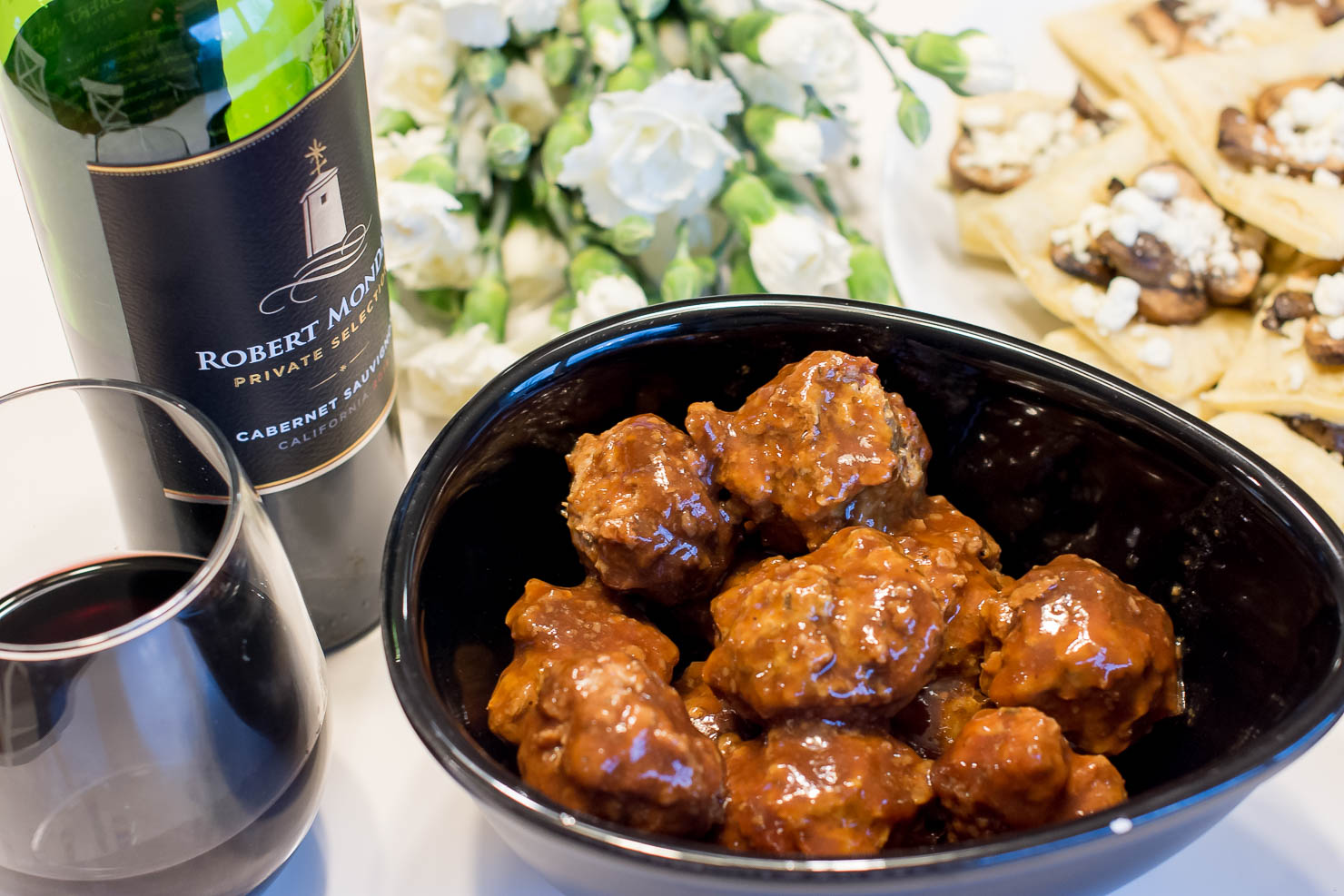 appetizers-to-pair-with-cabernet-sauvignon-Robert-Mondavi-private-label-easy-mushroom-and-goat-cheese-tarts-3-ingredient-turkey-meatballs
