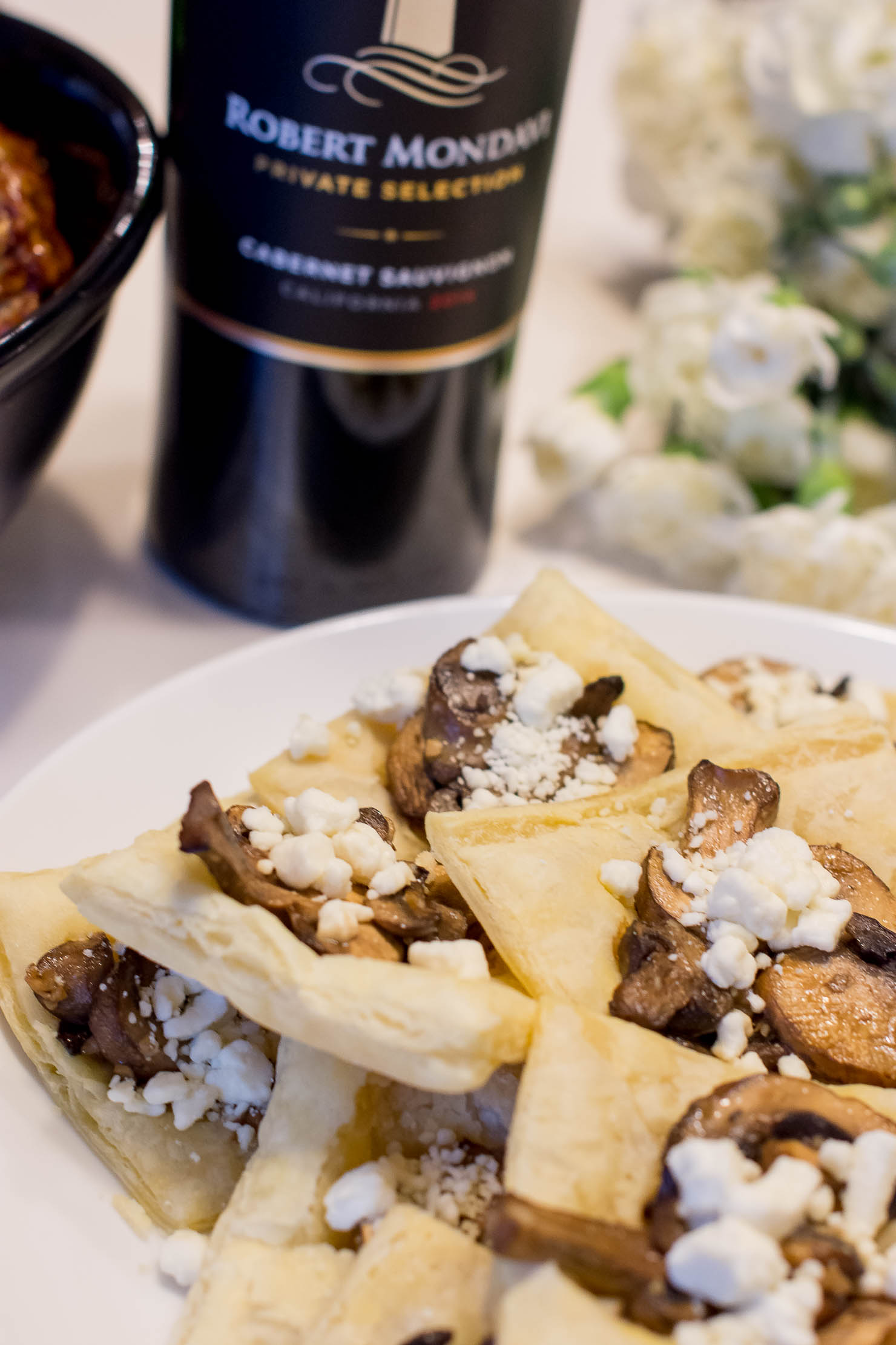 appetizers-to-pair-with-cabernet-sauvignon-Robert-Mondavi-private-selection-easy-mushroom-and-goat-cheese-tarts-3-ingredient-turkey-meatballs
