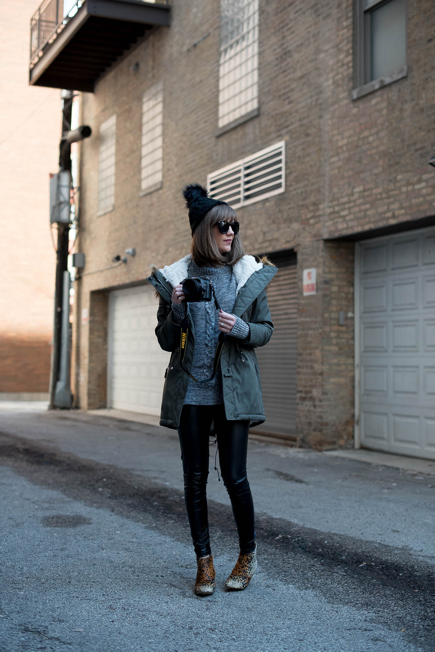 what to shop and eat this weekend, behind the scenes as a fashion blogger, the best parka for chicago, leather leggings, leopard booties