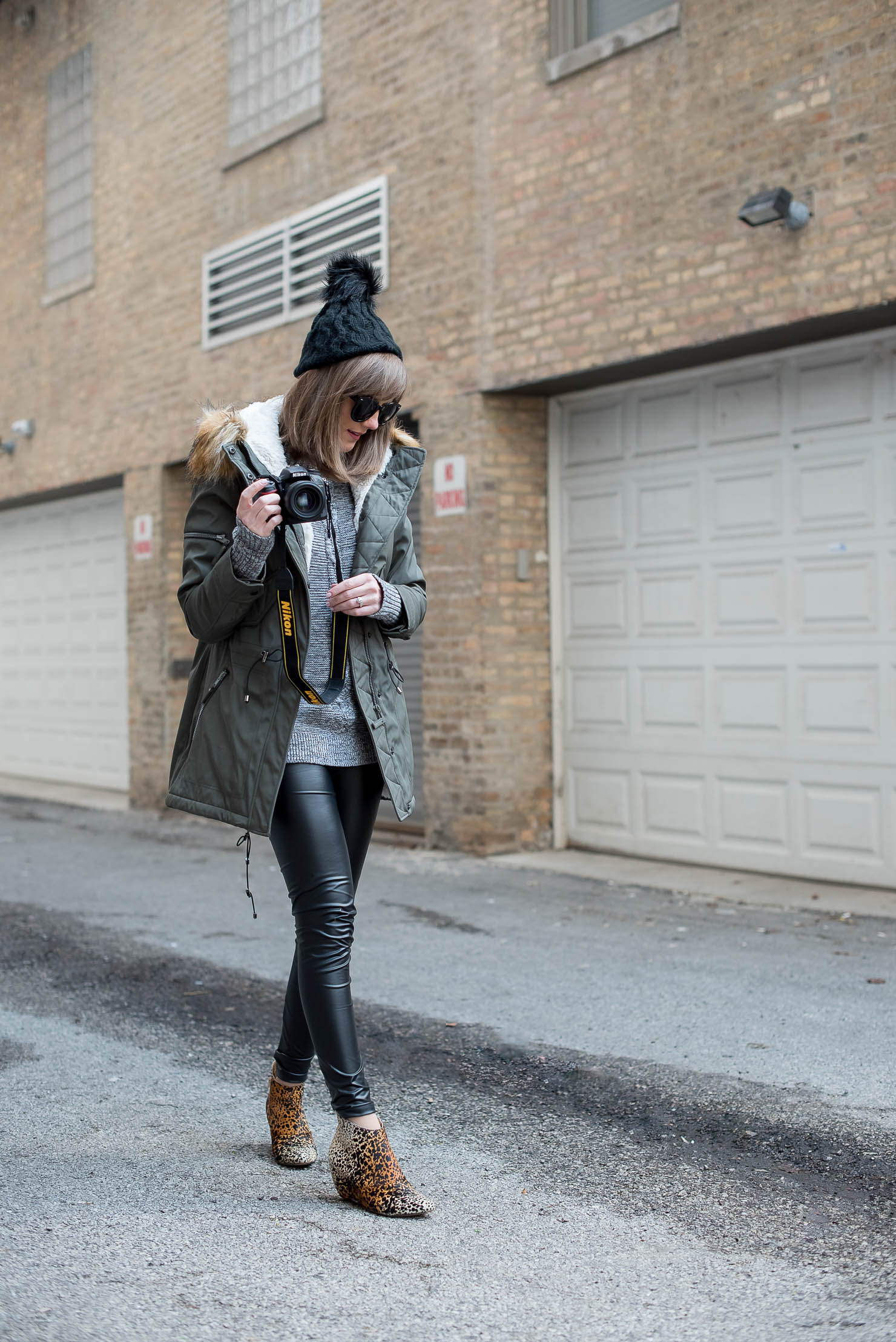 690658623744 behind-the-scenes-of-a-fashion-blogger-the- Pin this image on Pinterest