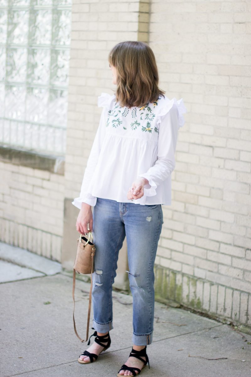 the embroidered blouse you need for summer, casual summer outfit, trying the embroidery trend