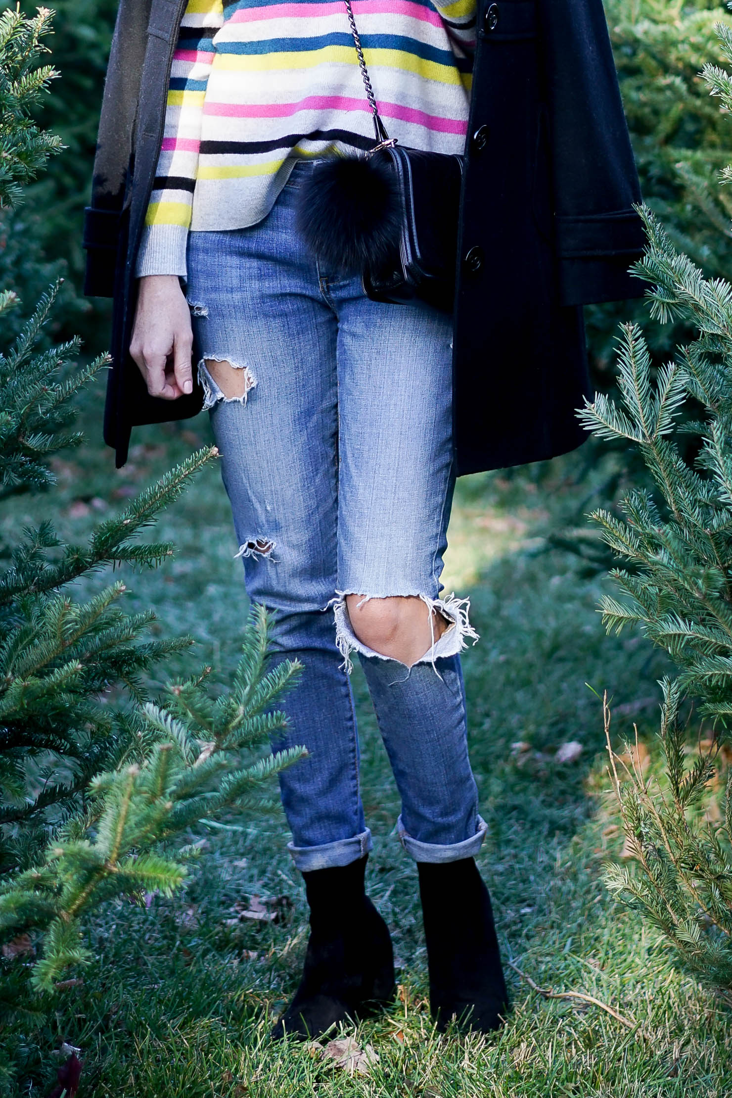 the best place to get a Christmas Tree in Chicago, what to do in Chicago in December, what to wear to a Christmas tree farm, how to pick a Christmas tree, casual winter outfit