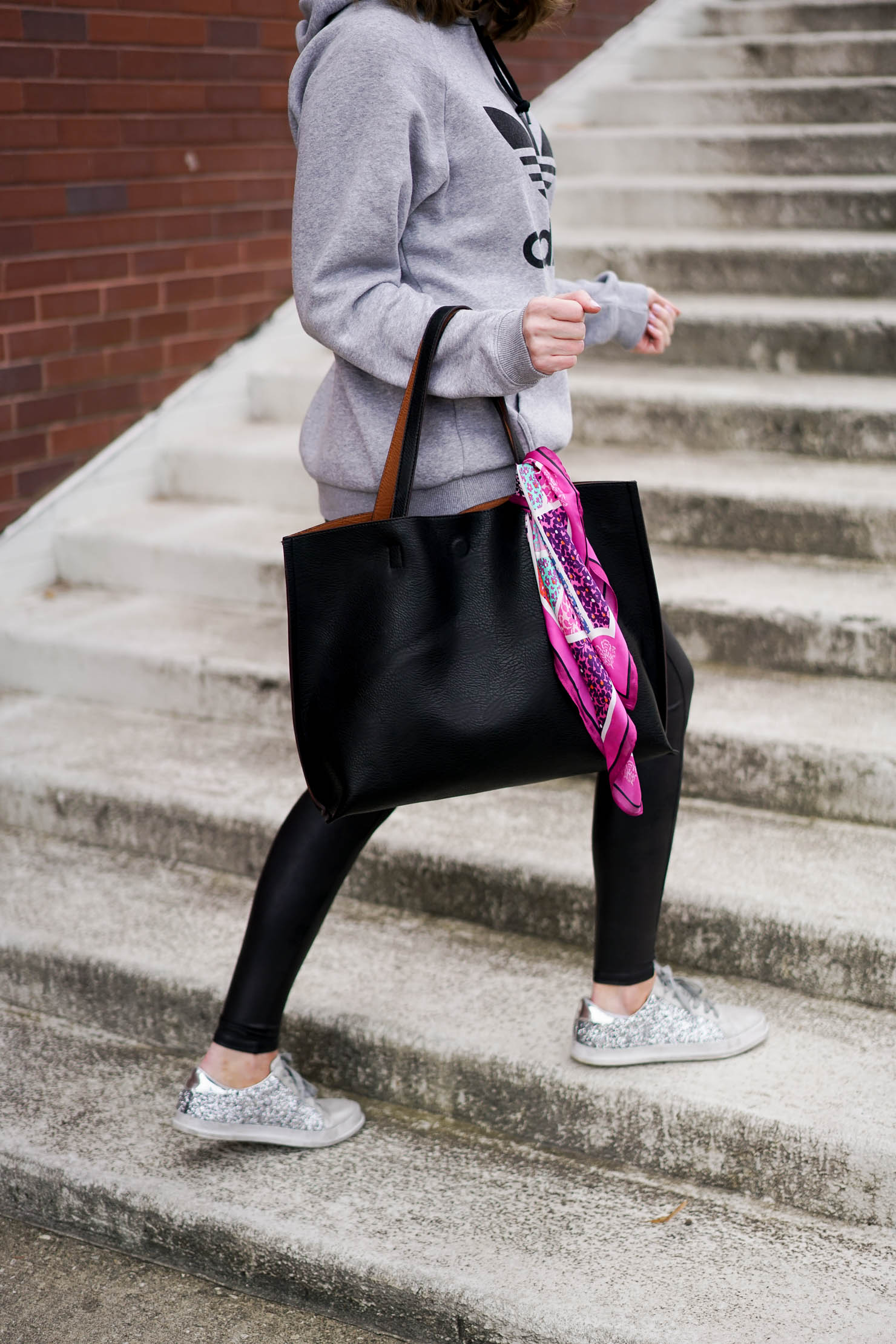 athleisure trend, my love of athleisure, the faux leather leggings that will change your life, faux leather leggings anyone can pull off, the most slimming legging, sucks you in but still comfortable