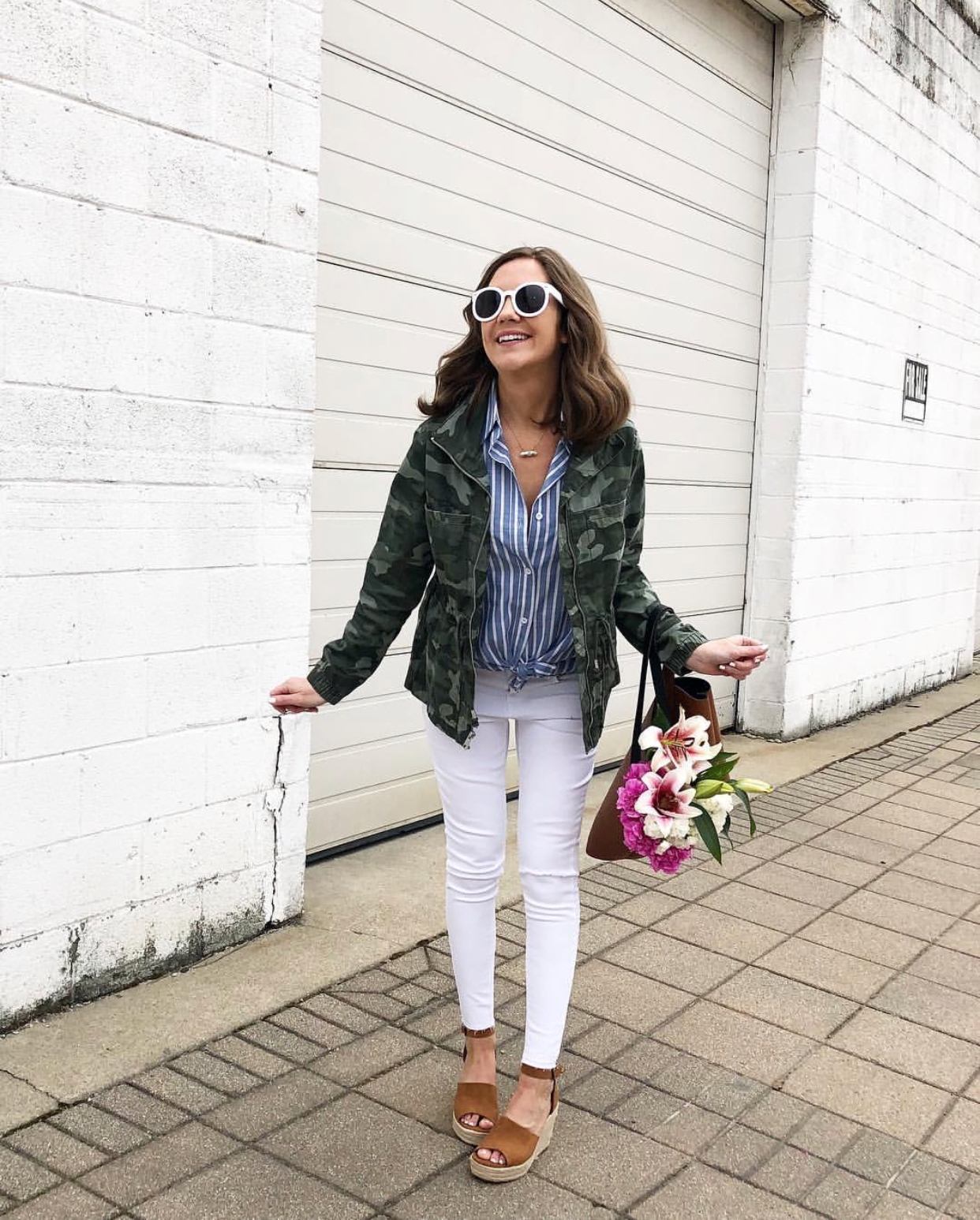 easy everyday outfits, camo and stripes outfit, old navy camo utility jacket
