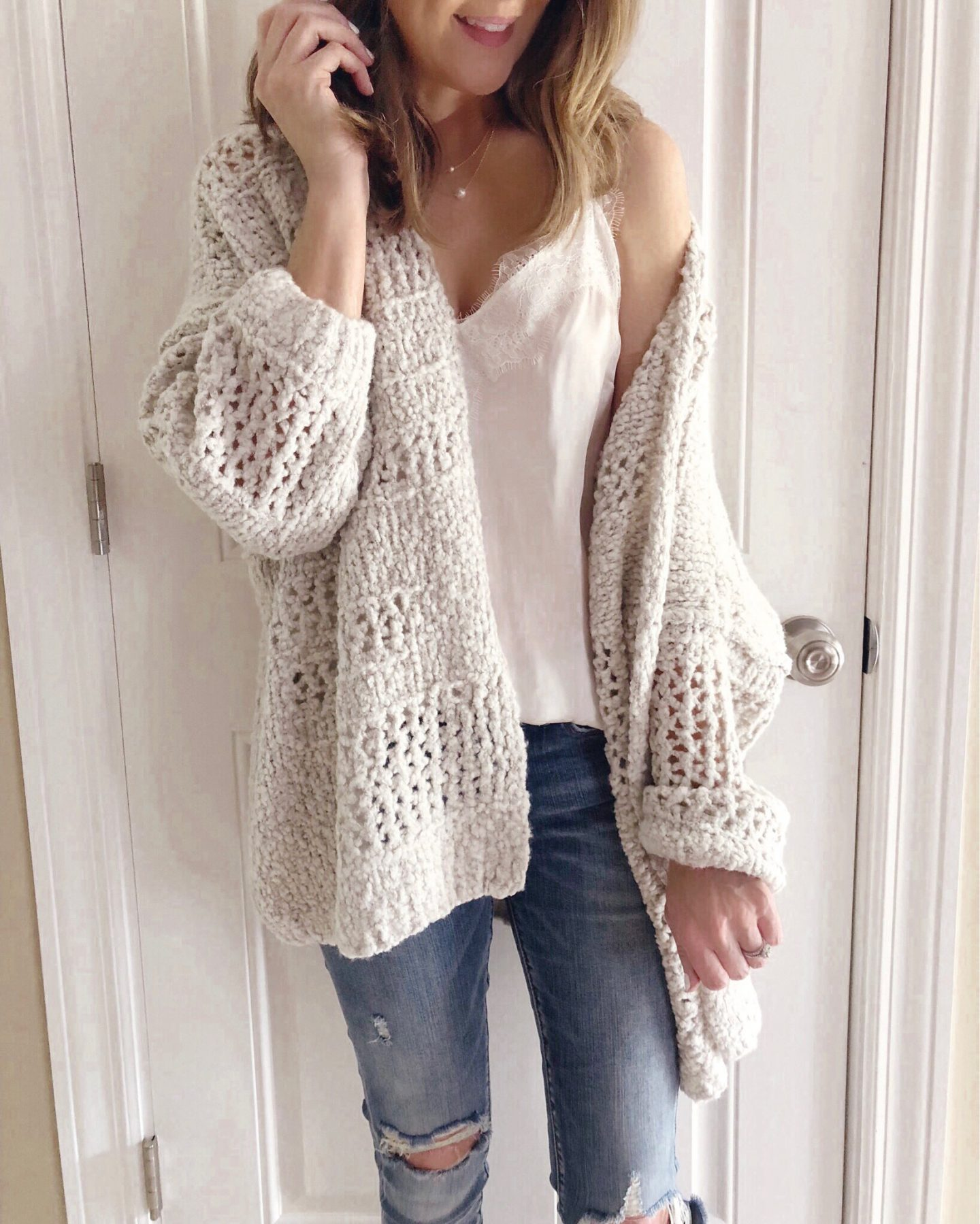 Real Life Outfits, what to wear in the fall, fall fashion 2018, how to transition summer clothing to fall, fall fashion trends for 2018, mom style, the one sweater you need for fall
