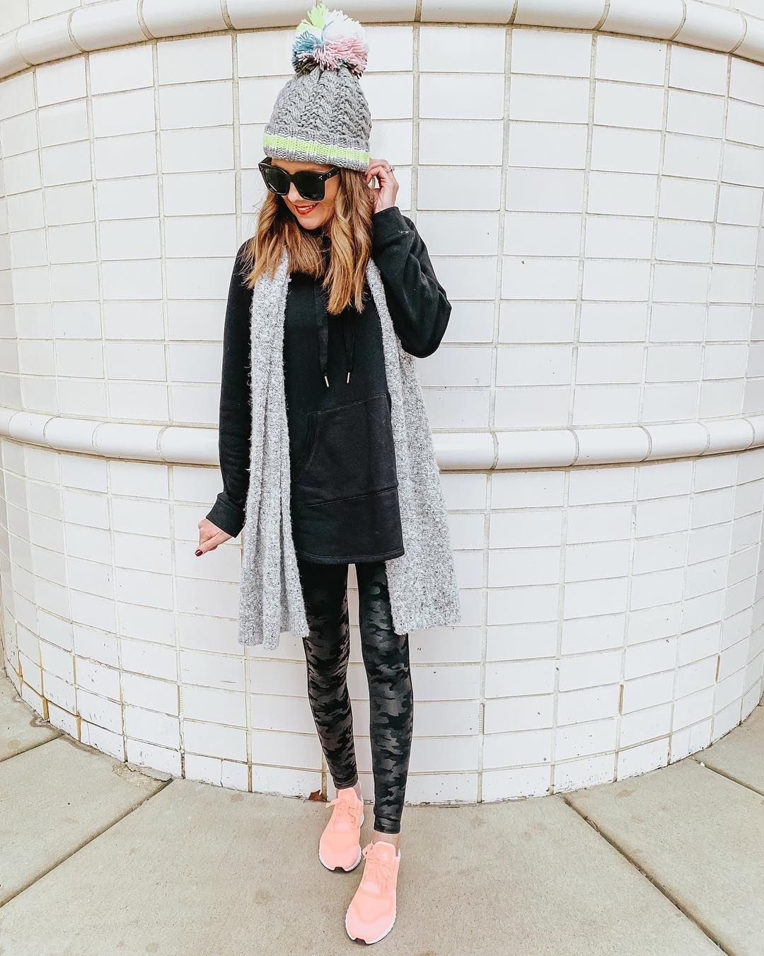 black-tunic-sweatshirt-camo-spanx-faux