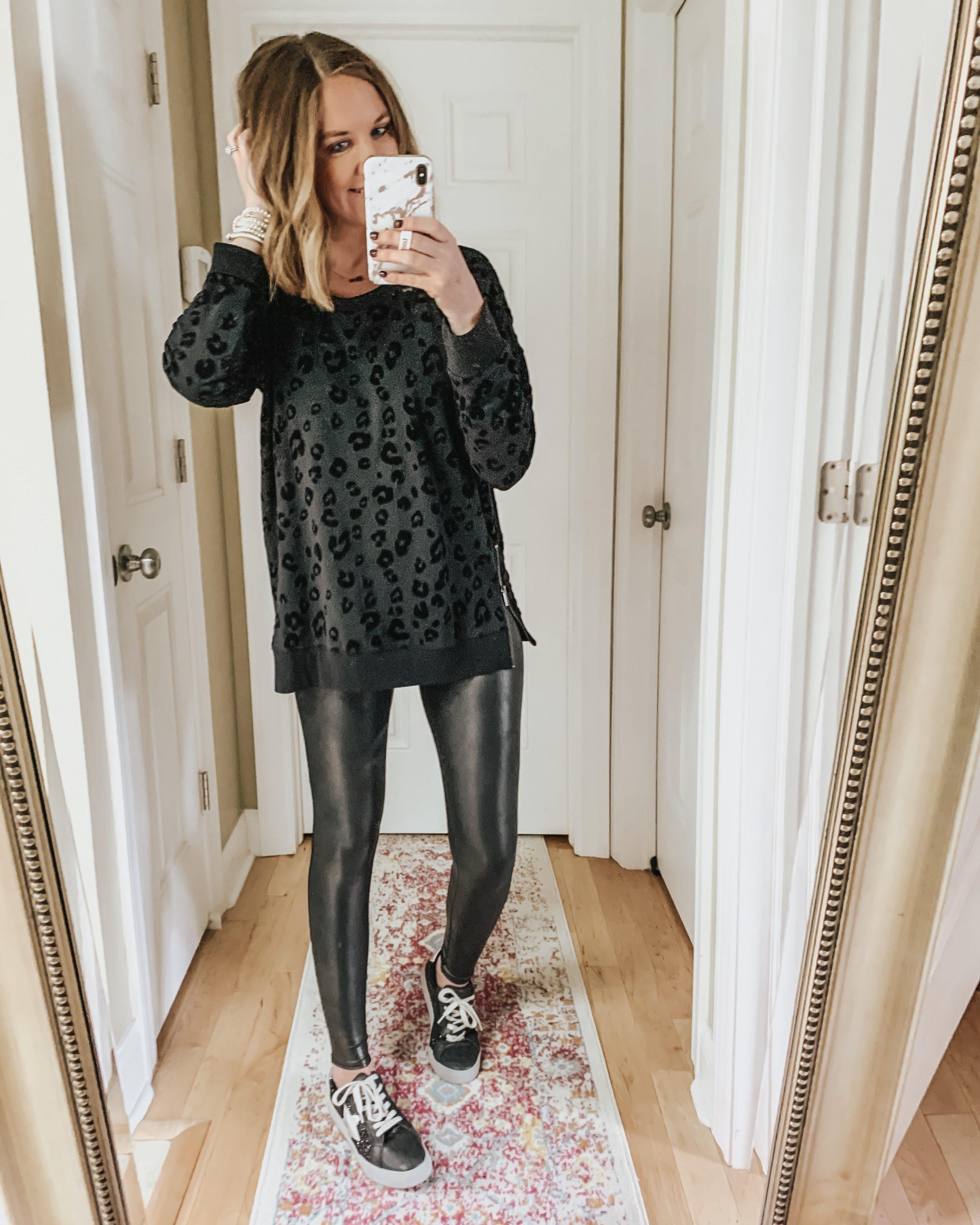 leopard-sweatshirt-monochromatic-black-outfit-glitter-sneakers