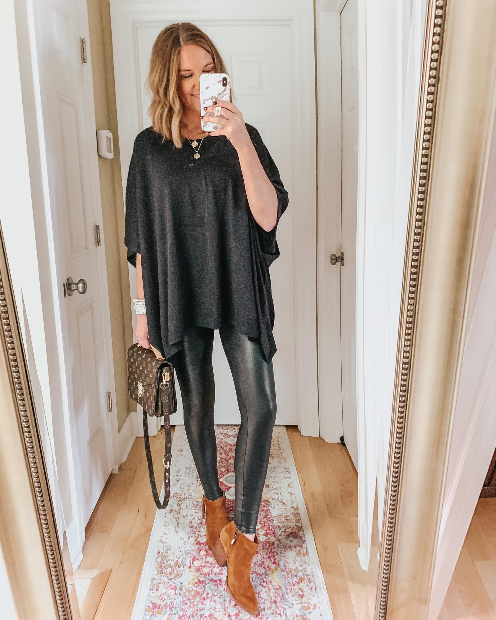 poncho-sweater-faux-leather-leggings-date-night-outfit-how-to-wear-black-with-brown