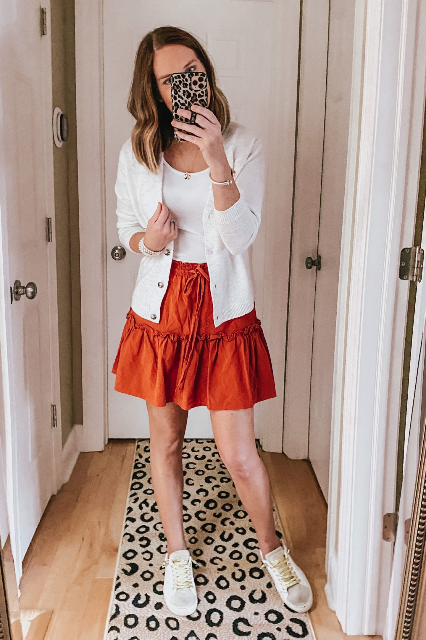 how to style the Amazon ruffle mini skirt for fall