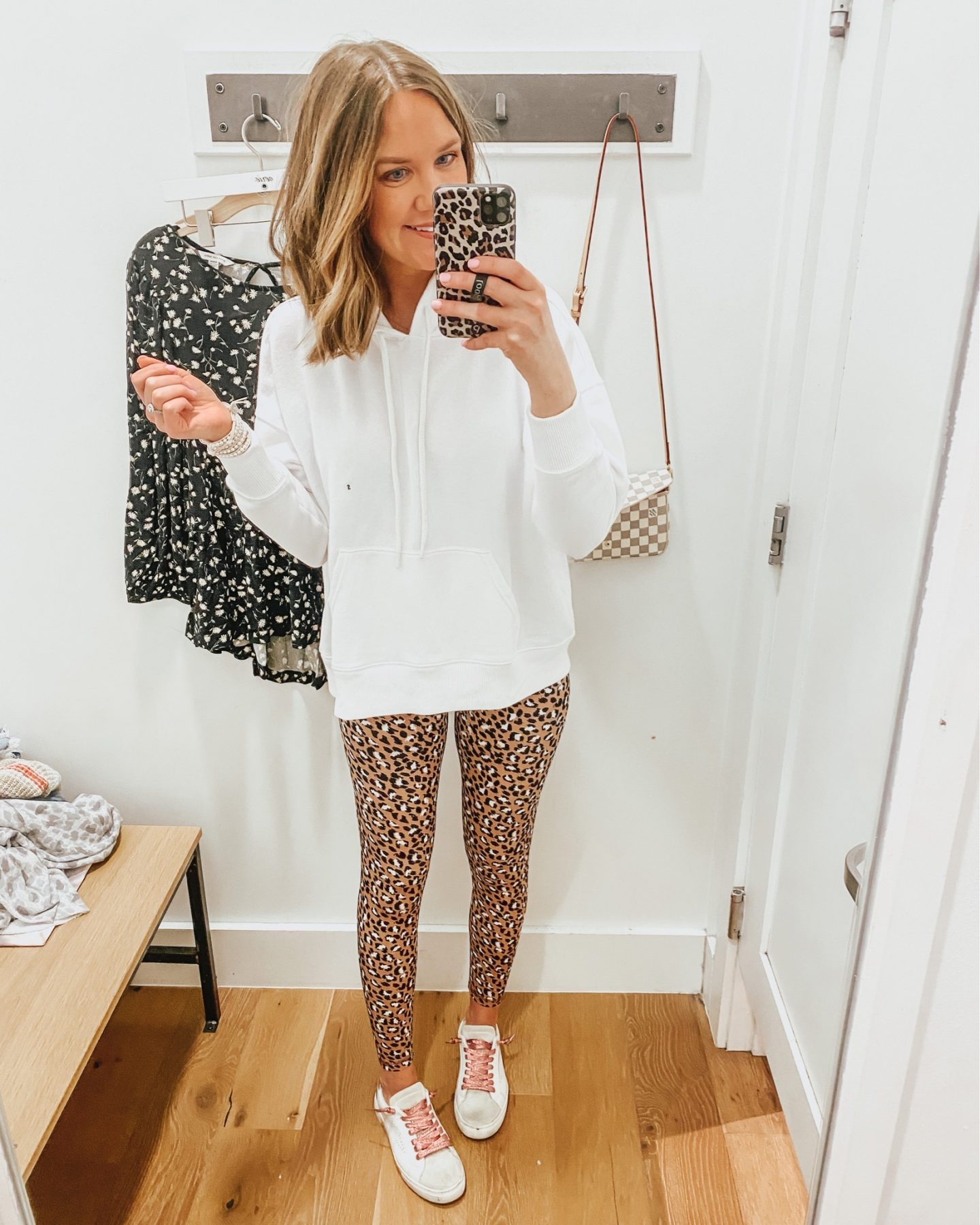 how-to-style-leopard-leggings