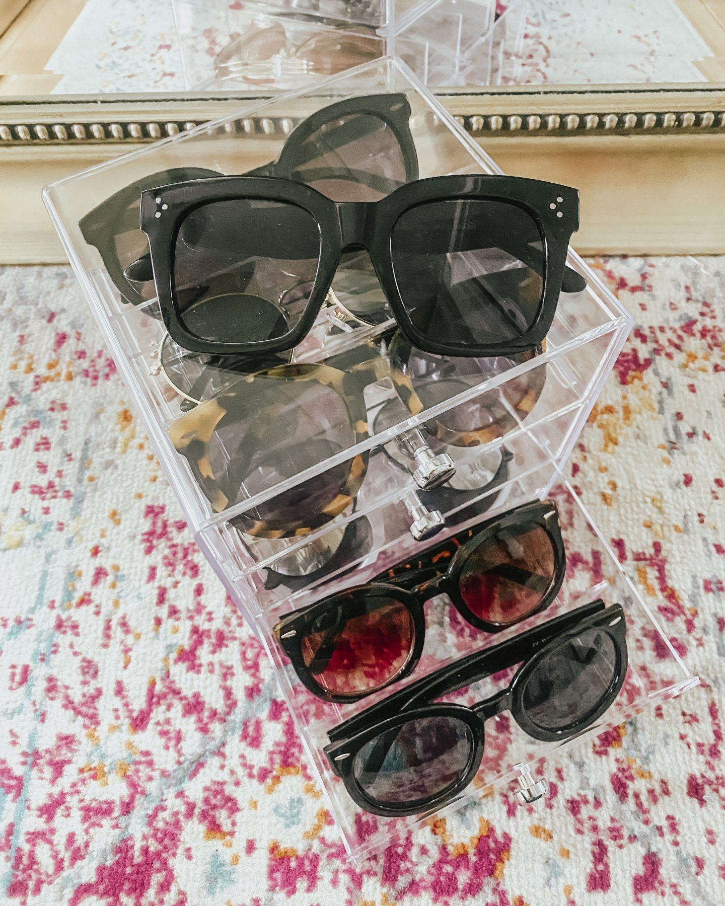 the best winter Amazon finds, sunglass holder, designer sunglasses dupes