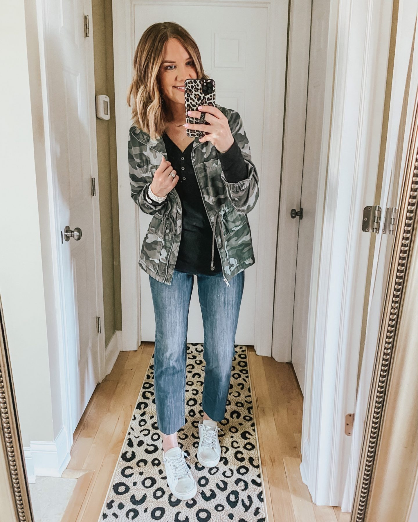 how to style straight leg jeans, camo utility jacket, spring fashion 2020