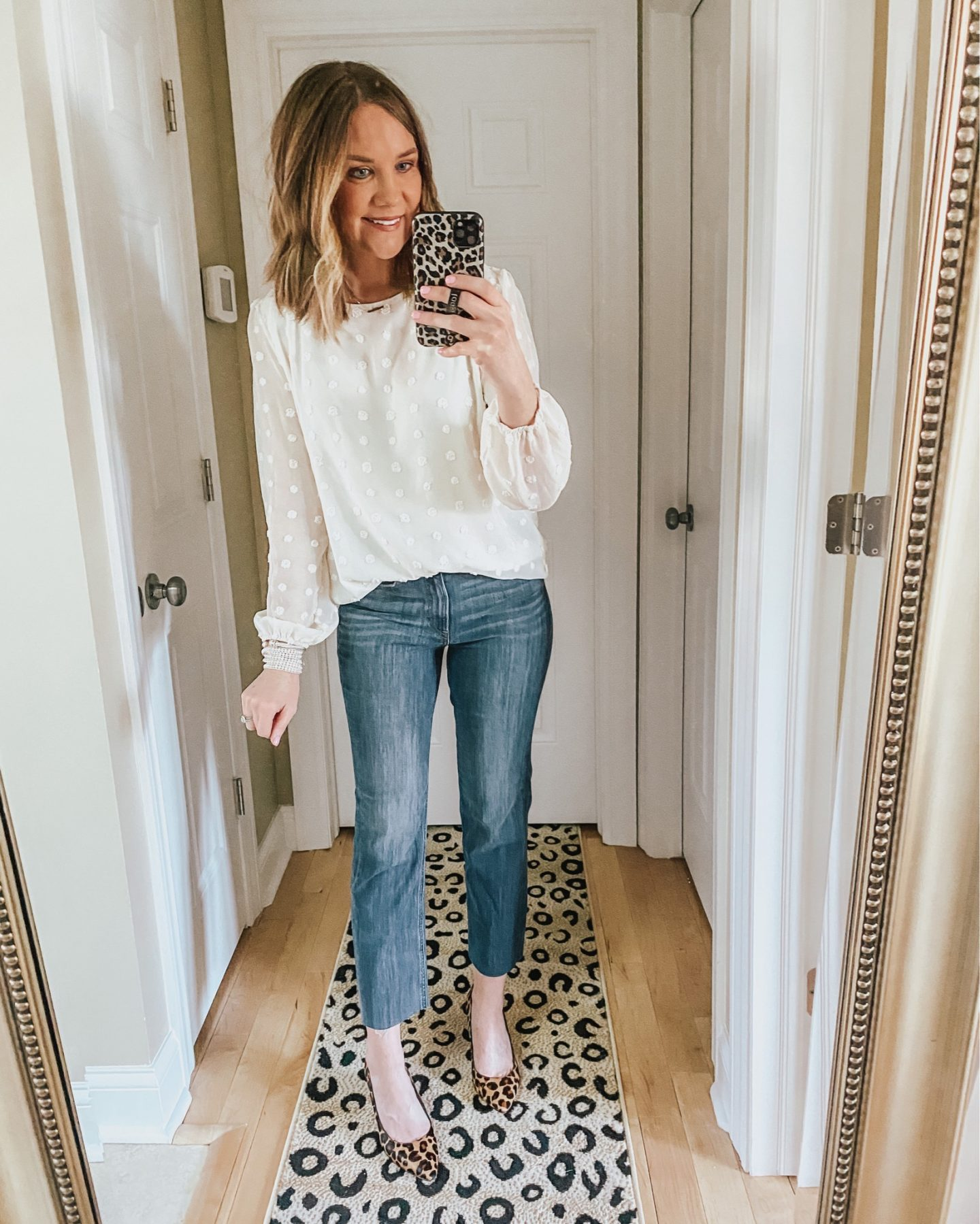 how to style straight leg jeans, dressing up jeans, business casual outfit, spring fashion 2020