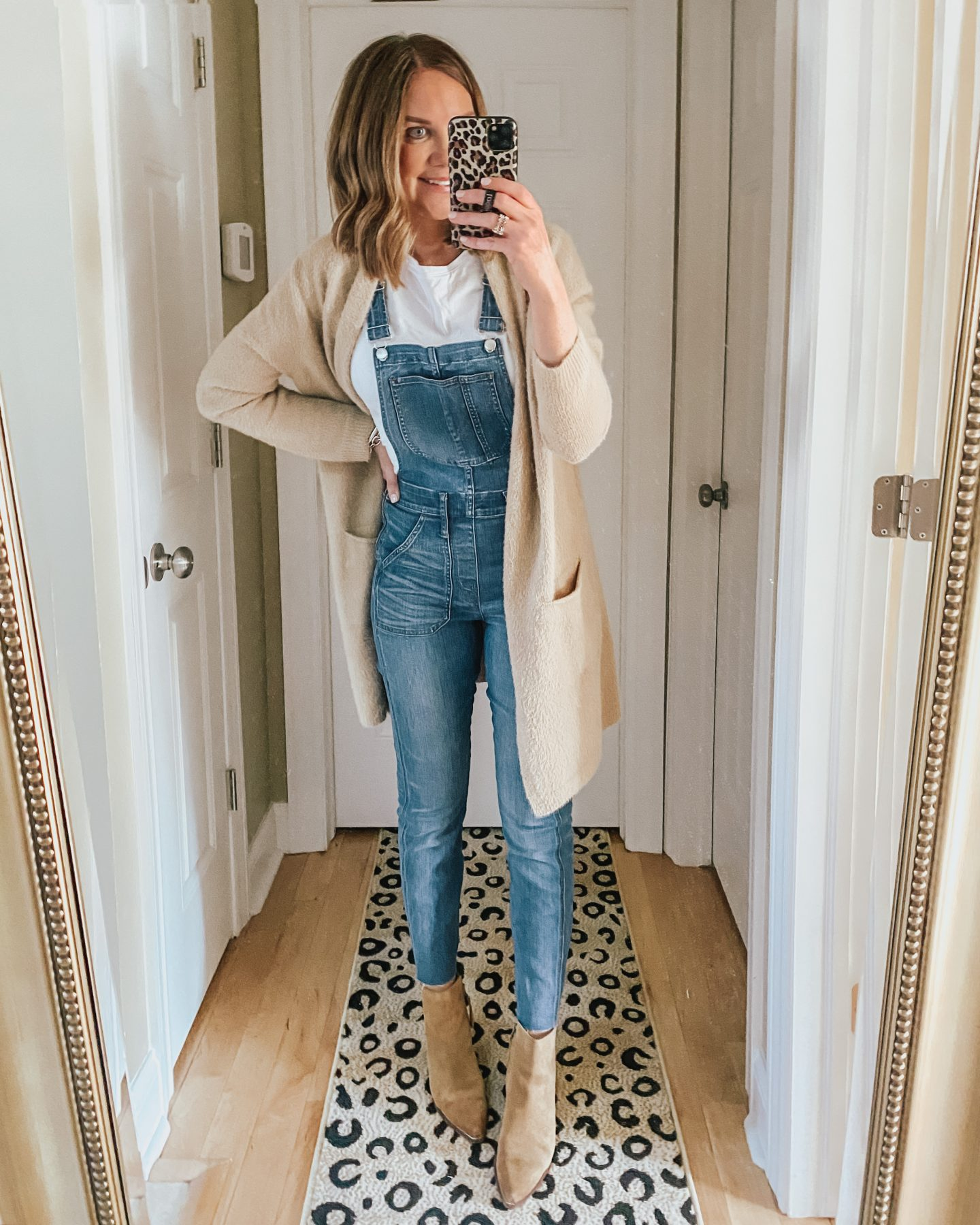 5-Ways-to-Style-Overalls-for-Winter-Through-Summer
