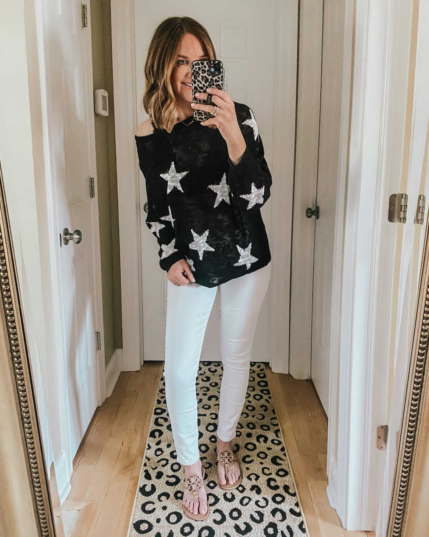 lightweight sweater, star sweater, white jeans outfit