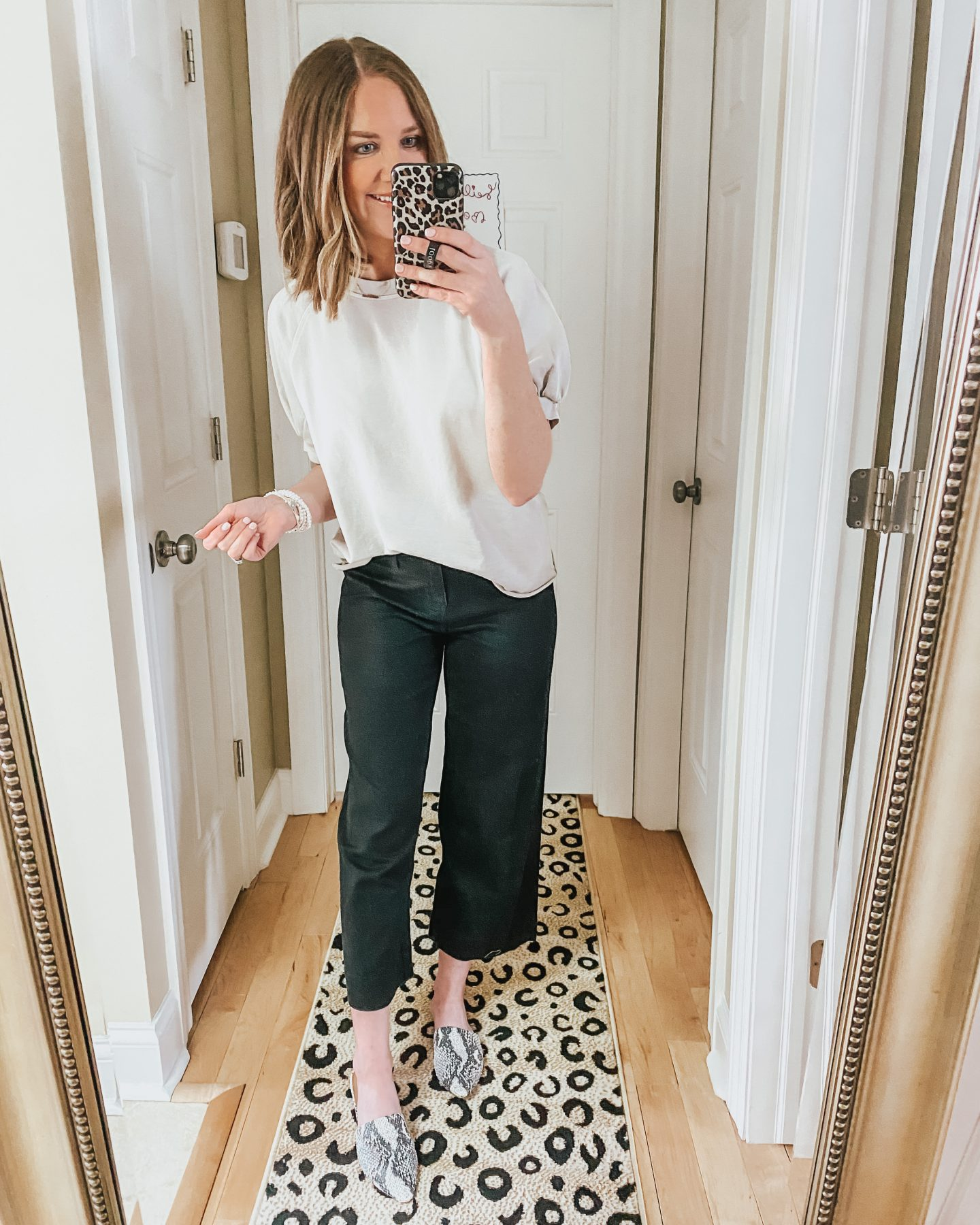 how-to-style-snakeskin-flats-wide-leg-crop-pants-puff-sleeve-sweatshirt