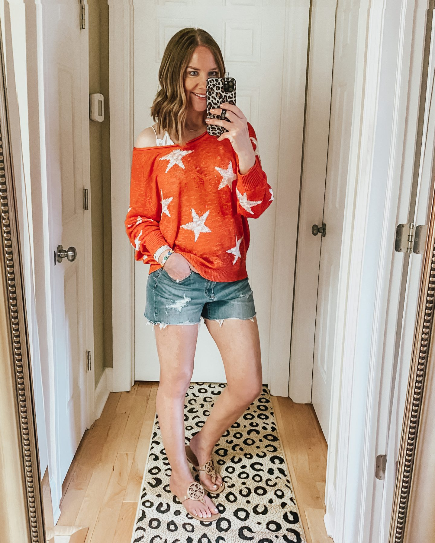 how to wear a sweater with shorts, star print, amazon fashion