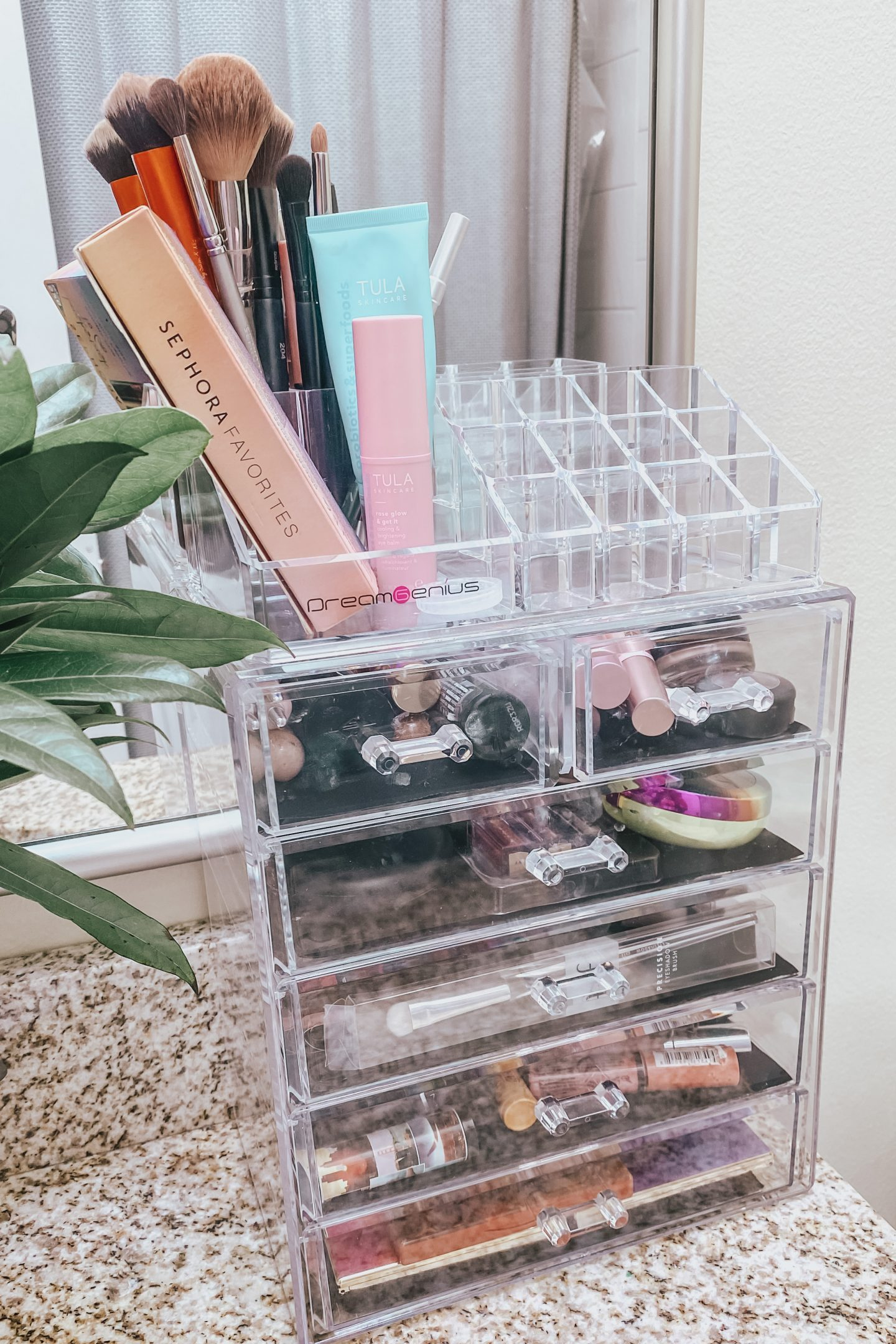 Amazon-make-up-organization
